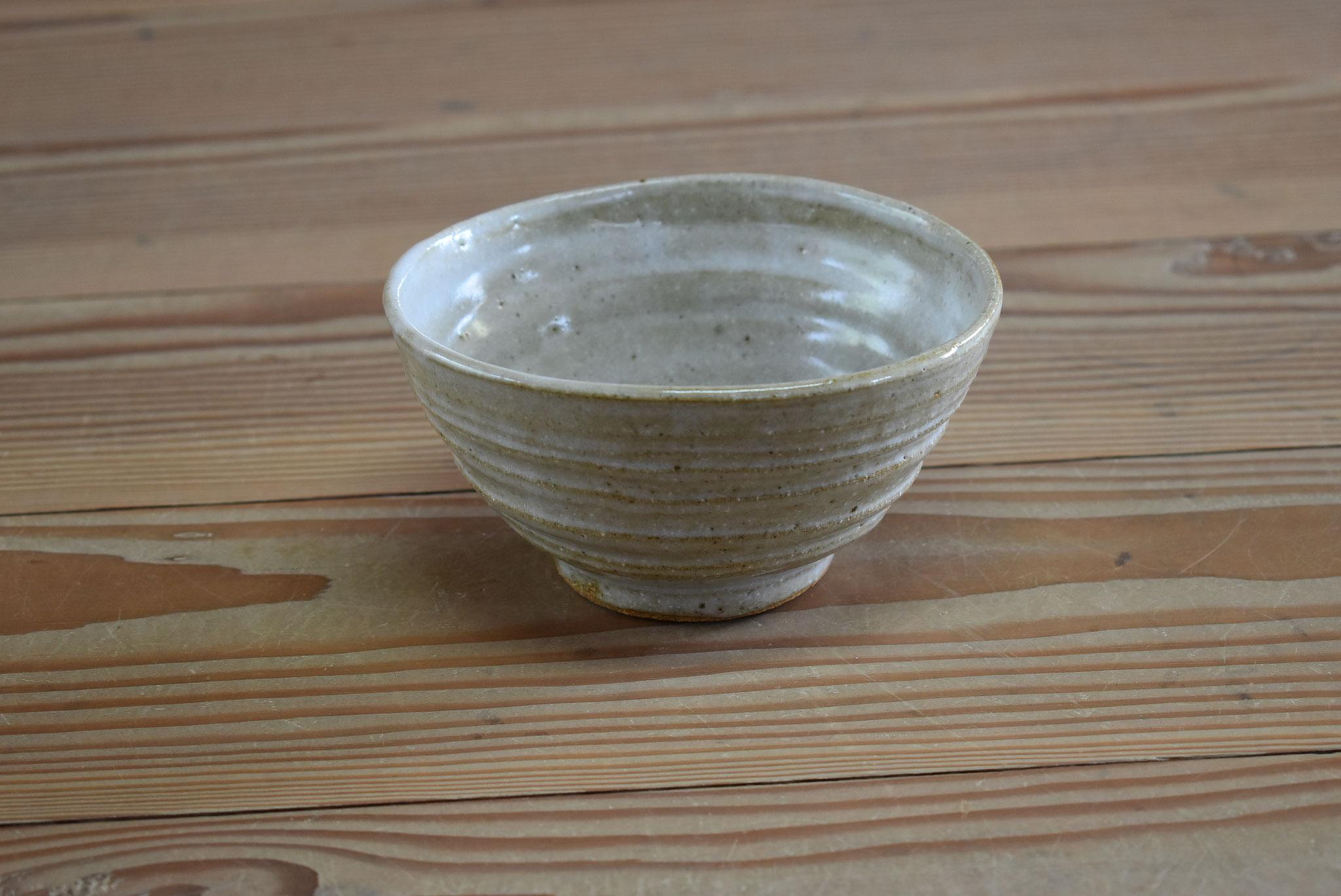 茶碗:赤土に白マット釉