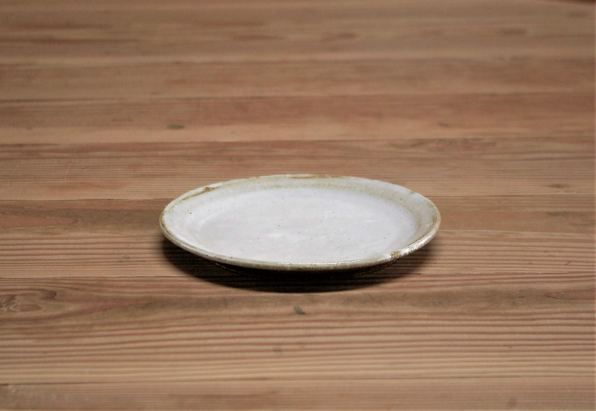 少し大きめの銘々皿