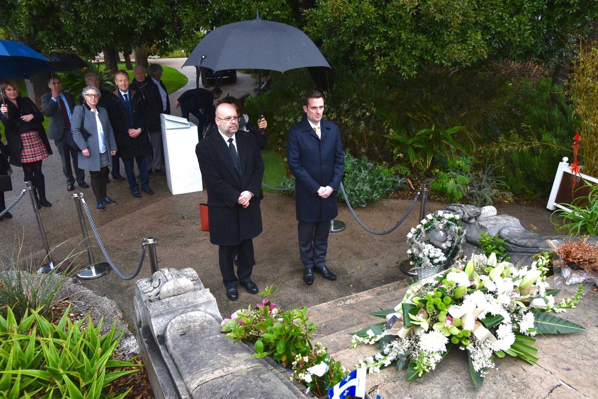 Recueillement villa Massena pour les 3 blessés Australiens lors de l'attenta à Nice du 14 juillet 2016