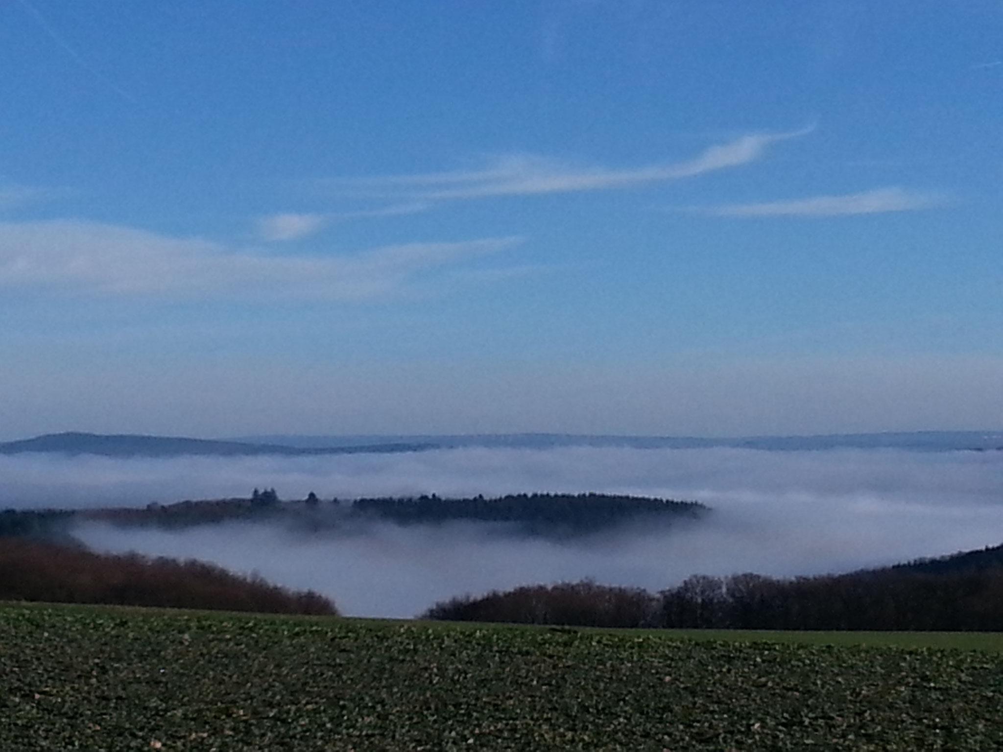 Klotten unter Nebel