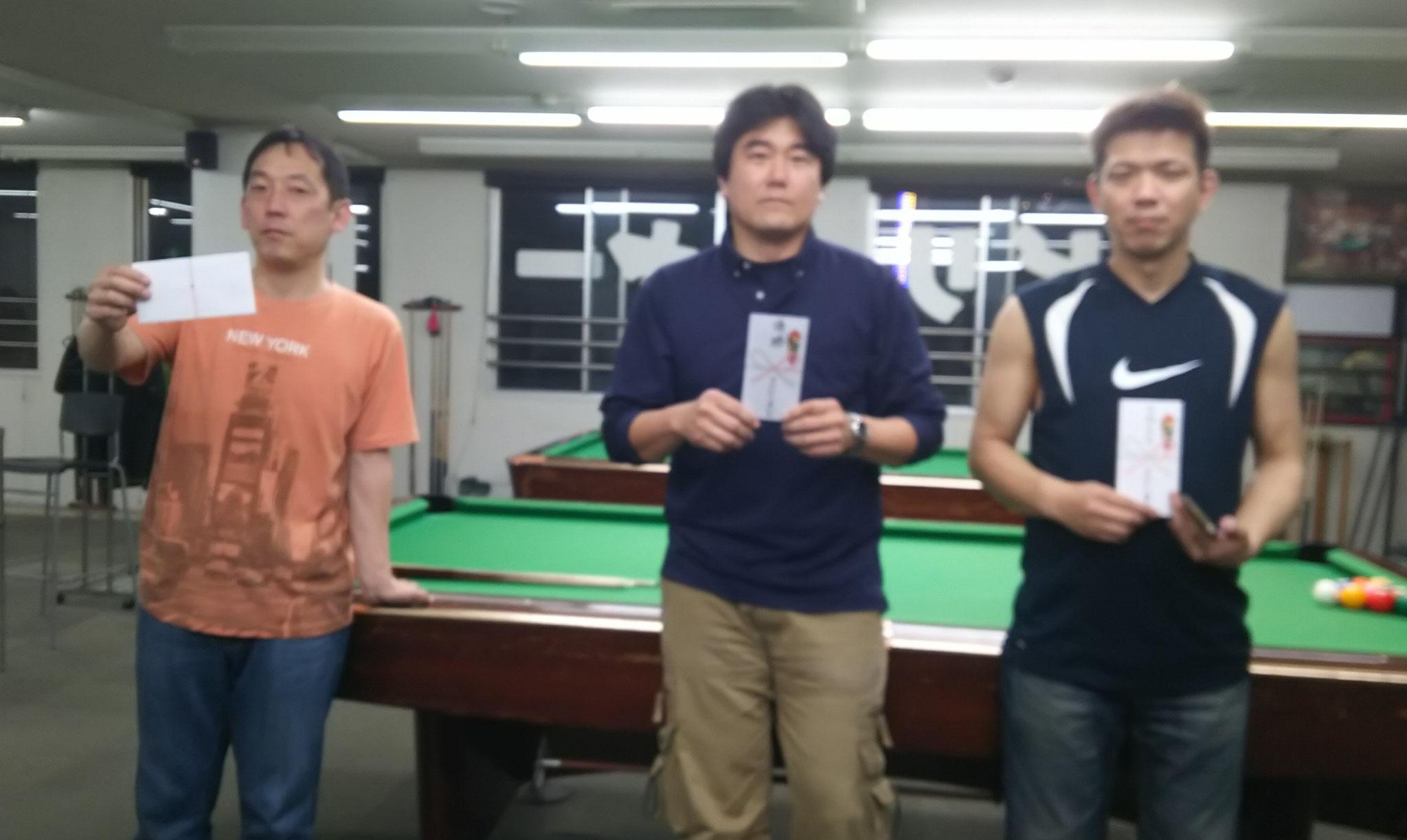 鈴木さん(準優勝) 赤尾さん(優勝) 岸本さん(3位タイ)