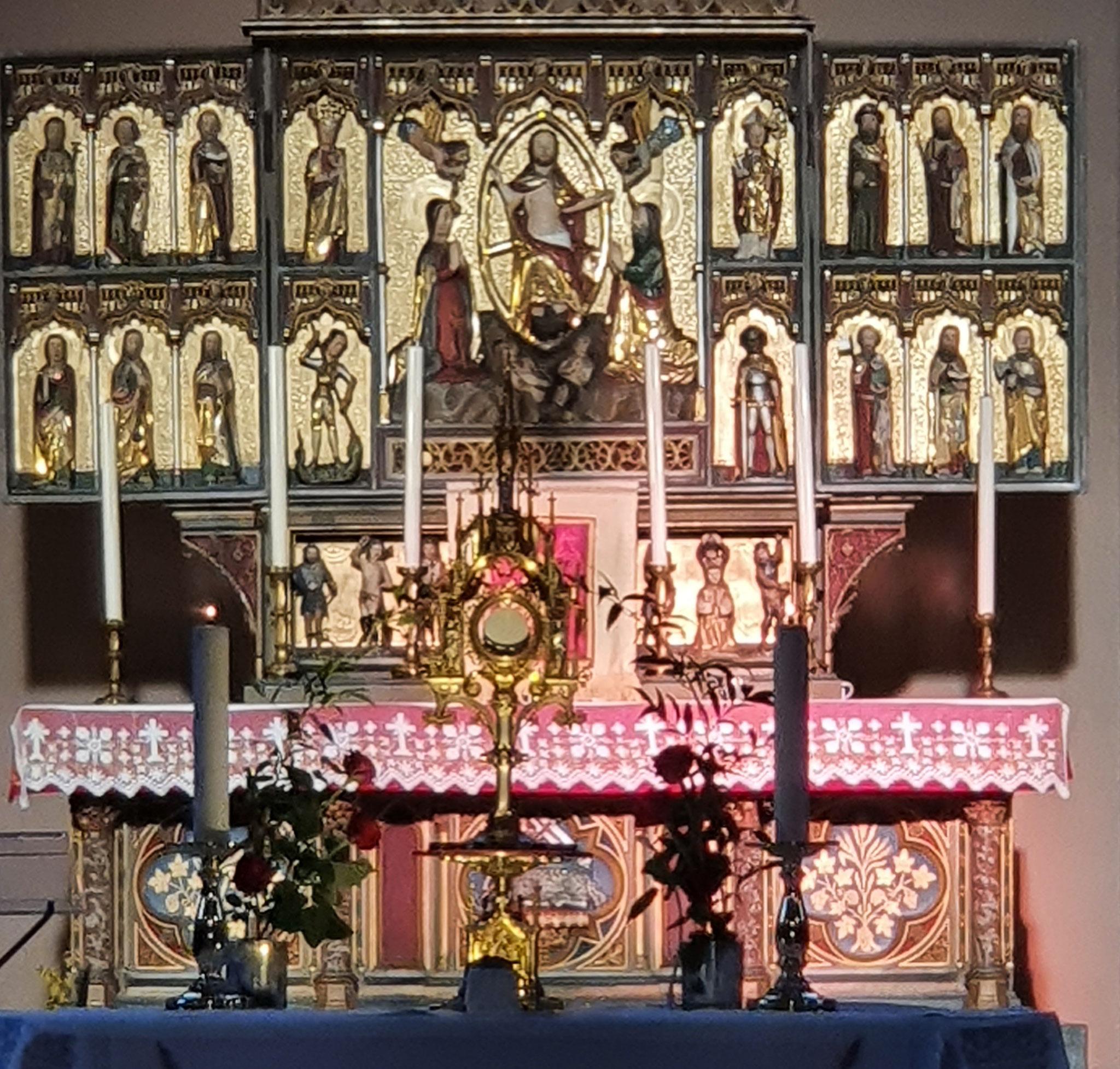 Altar im Licht der Abendsonne