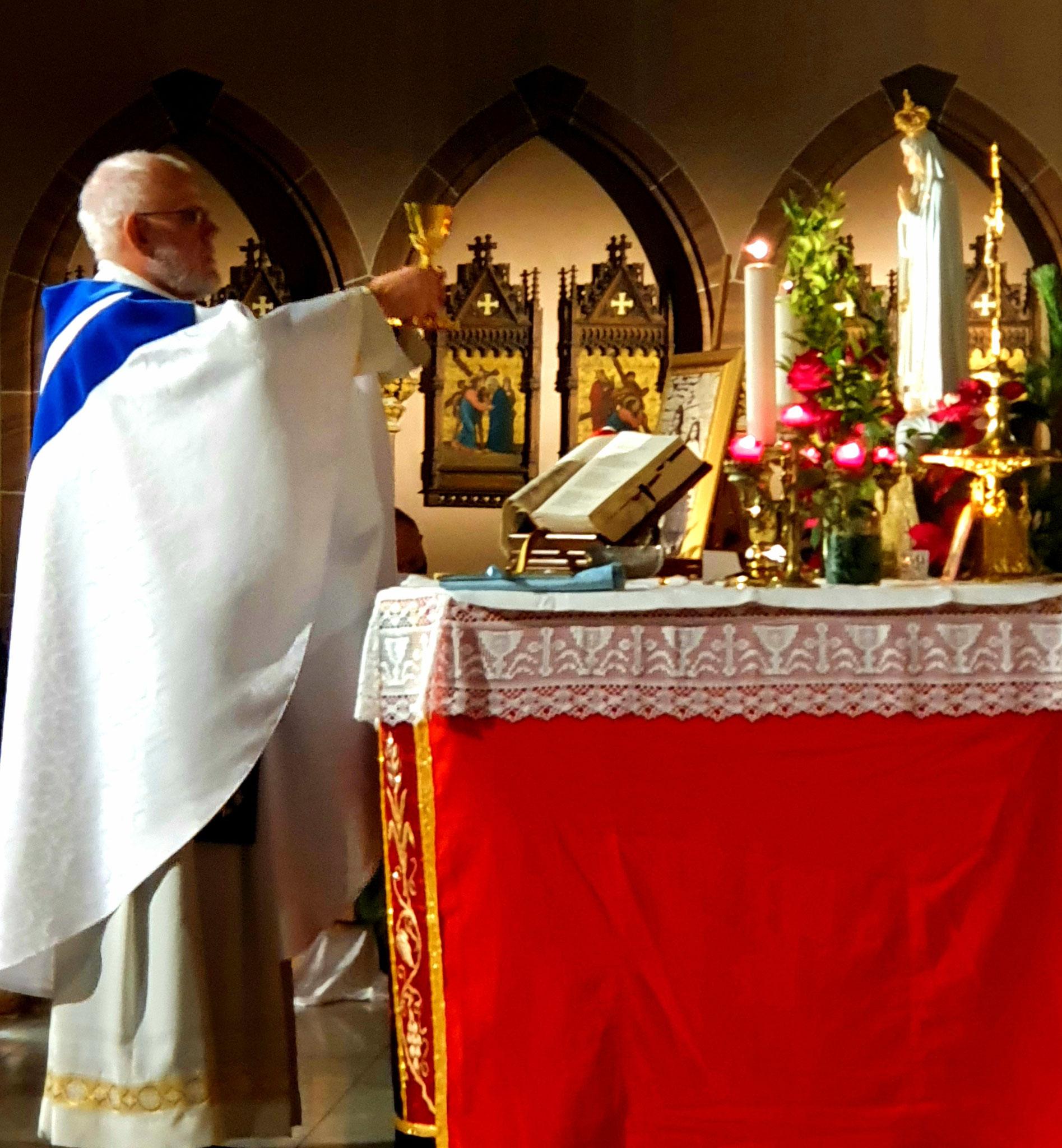 Pfarrer Heinz Philippen, Leiter des Fatima-Apostolates im Bistum Aachen...