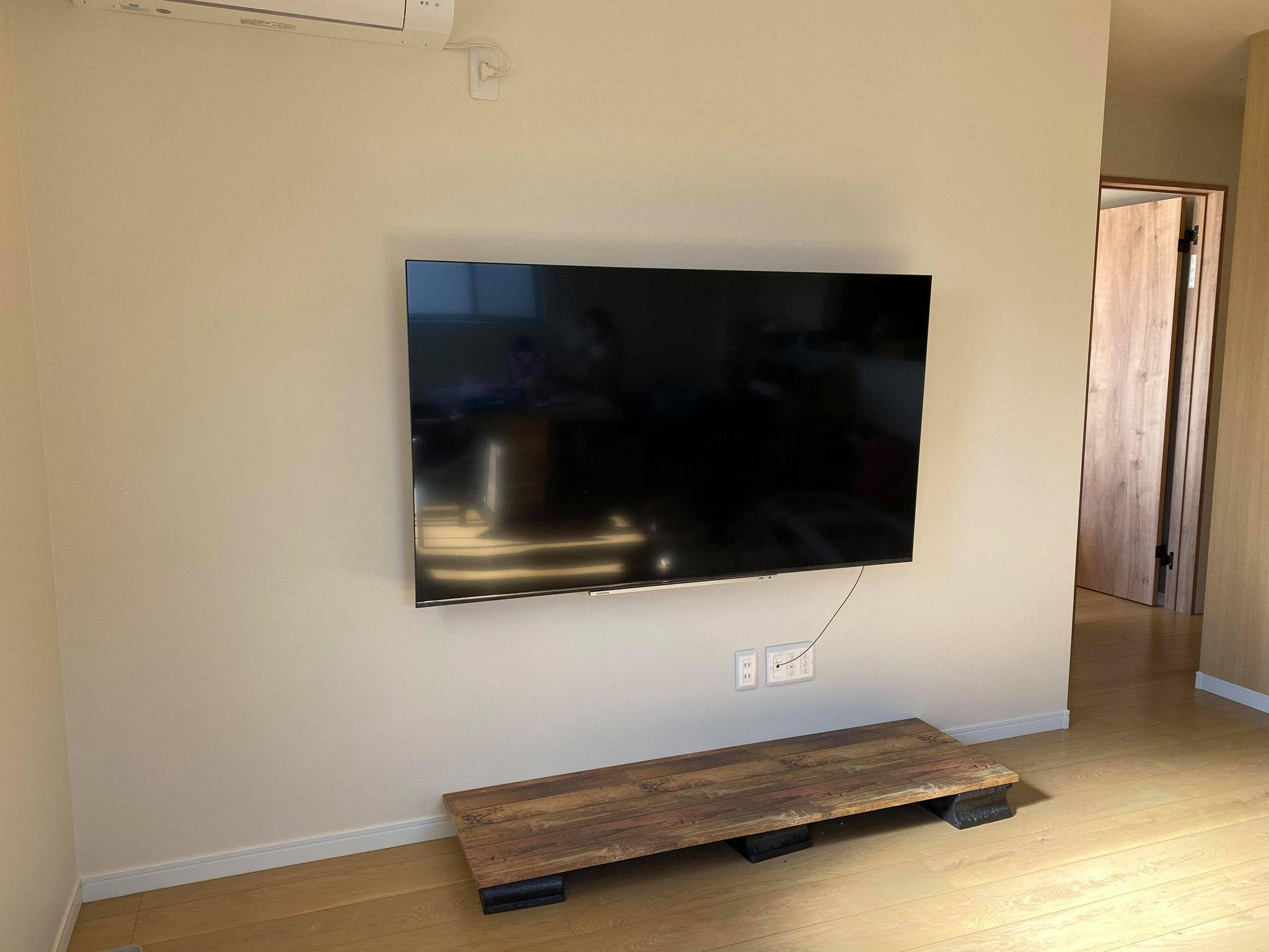 壁掛けTV 施工設置
