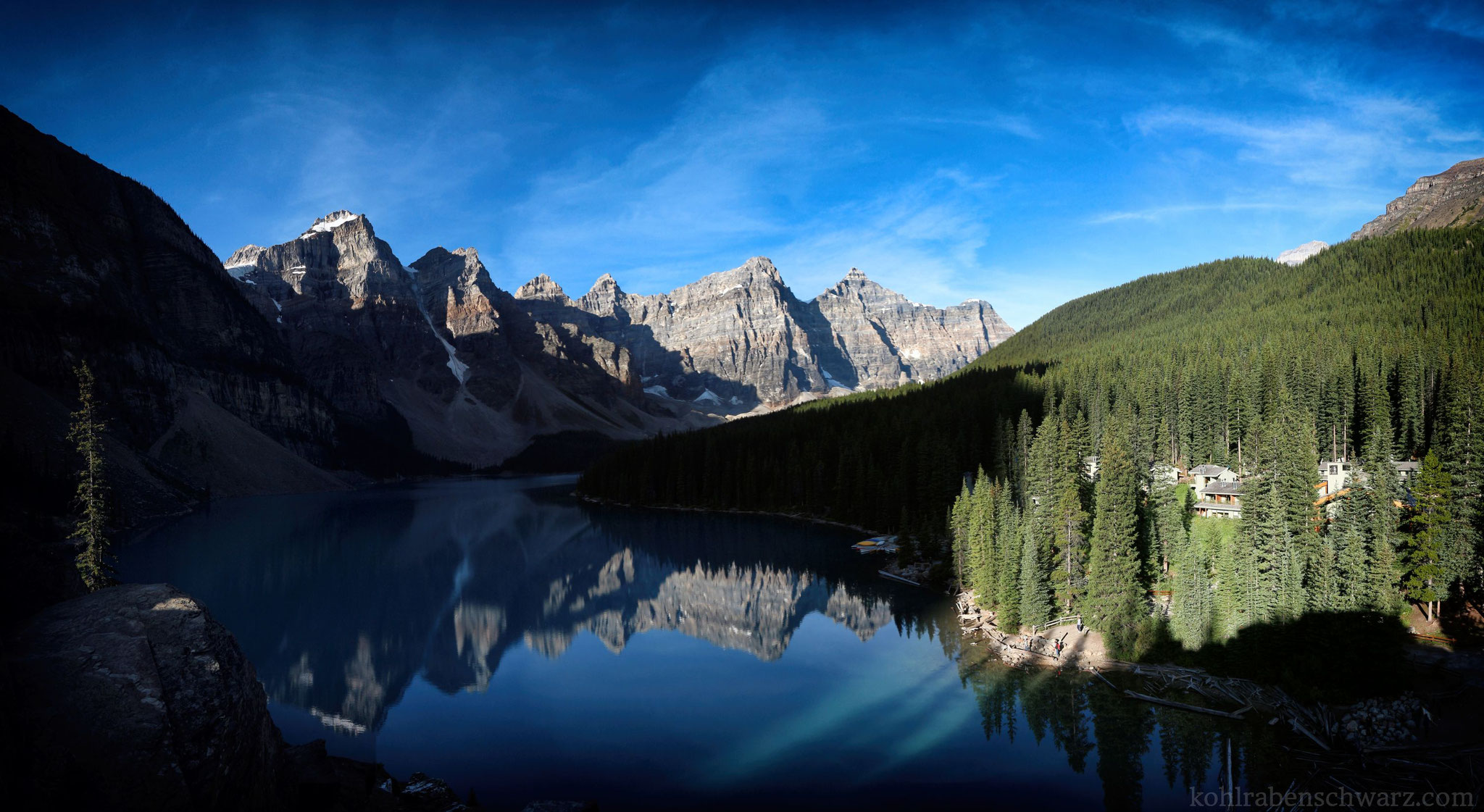 Moraine Lake - morgens
