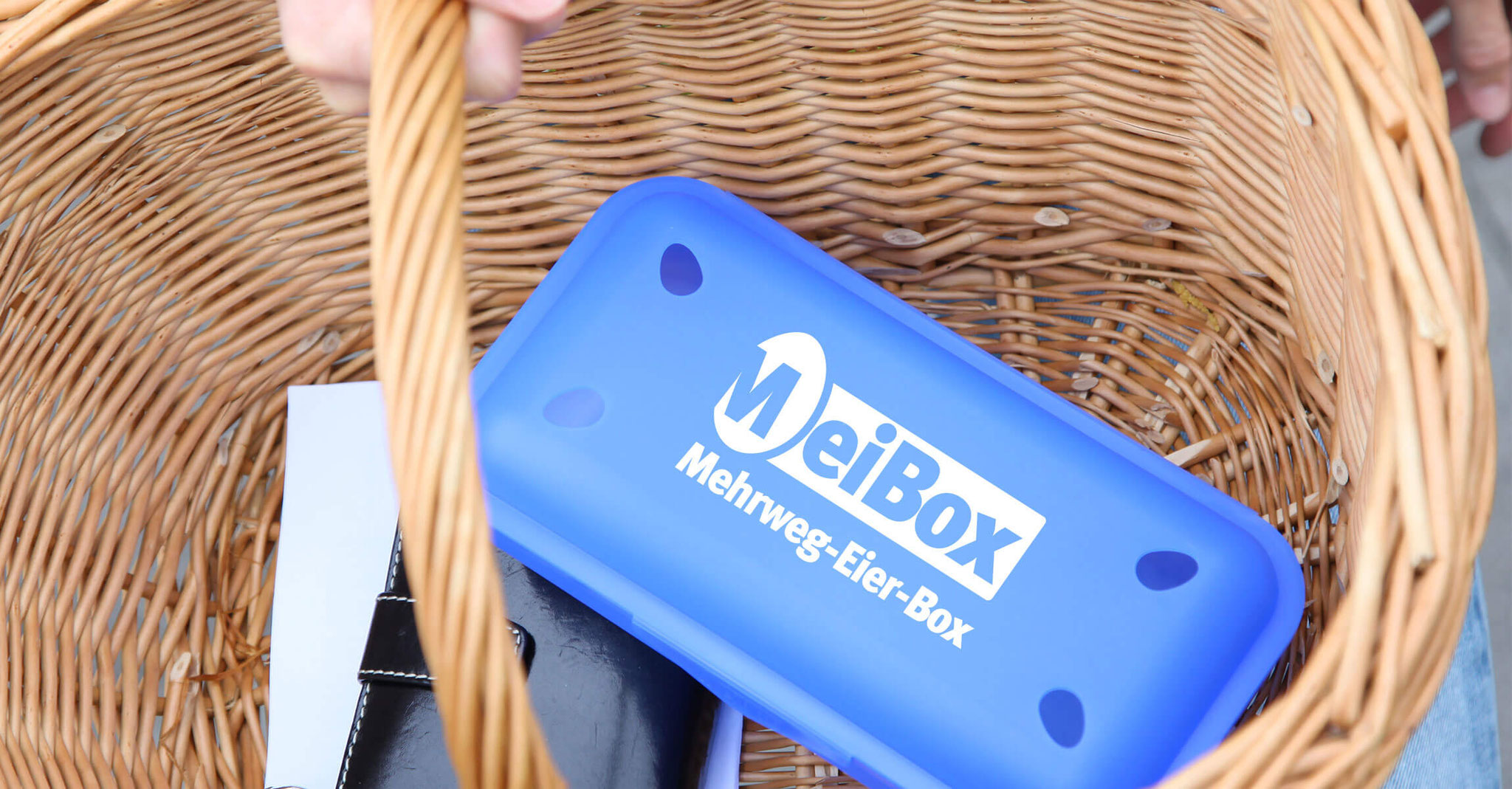 Next time you go shopping, take your empty MeiBox with you.