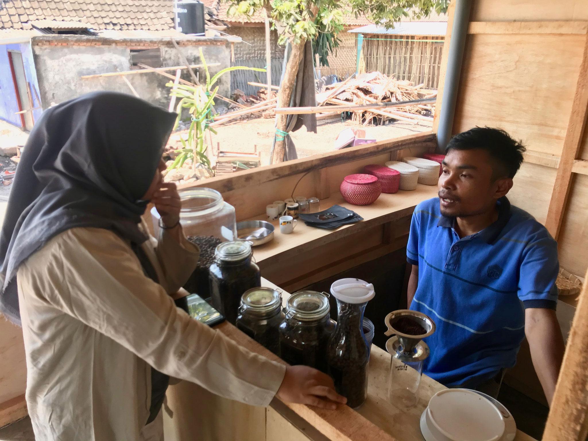 Sopian in seiner Kaffee-Rösterei Foto: GMI