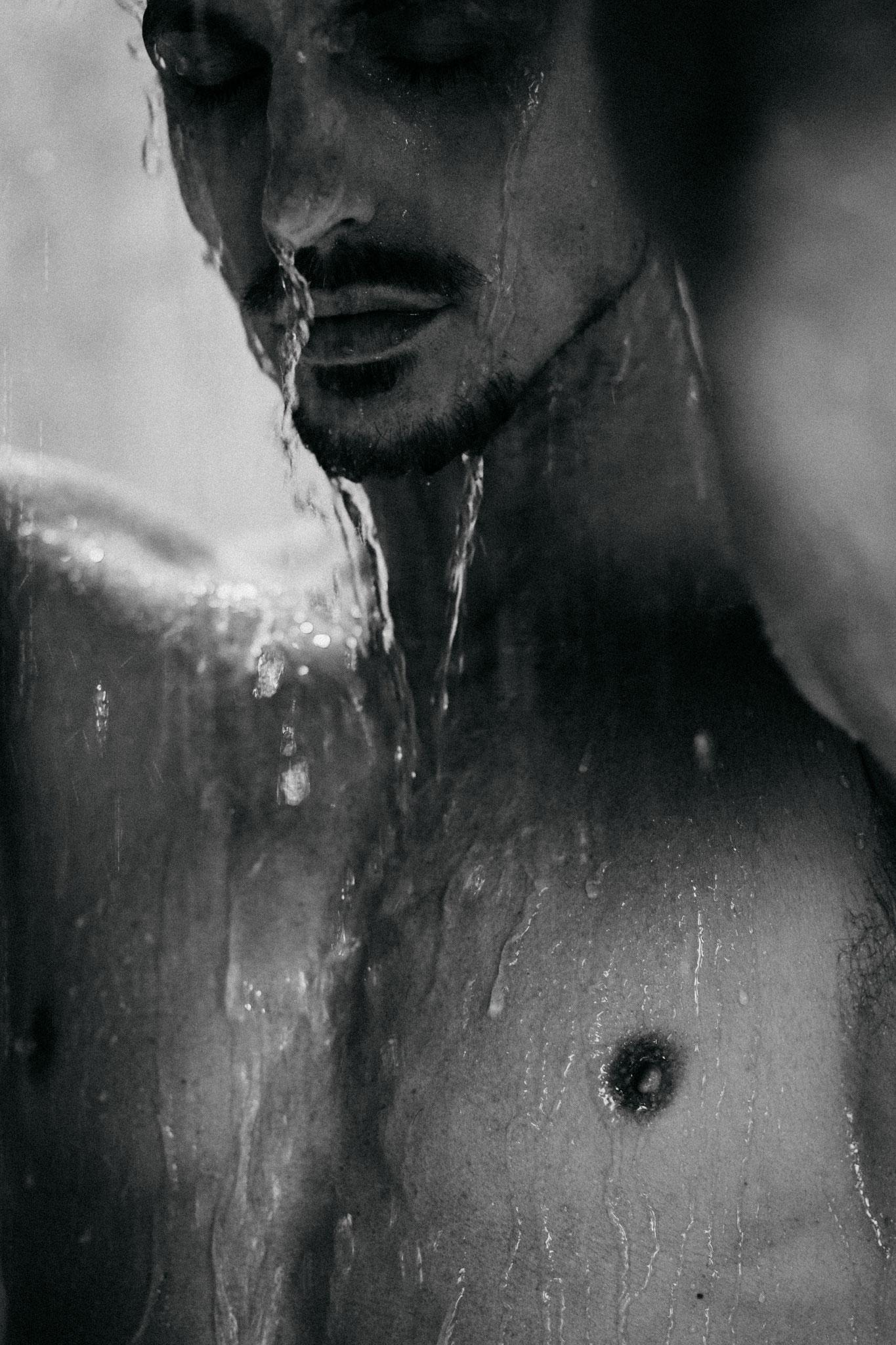 Oliver Tienken nude