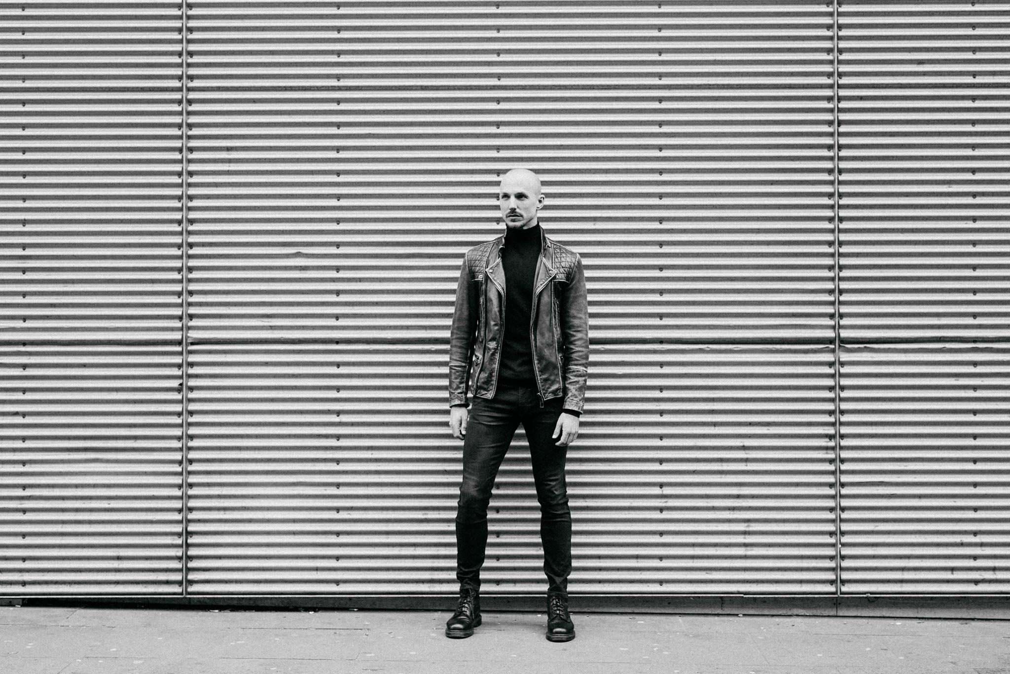 Schwarz Weiß Portrait Oliver Tienken