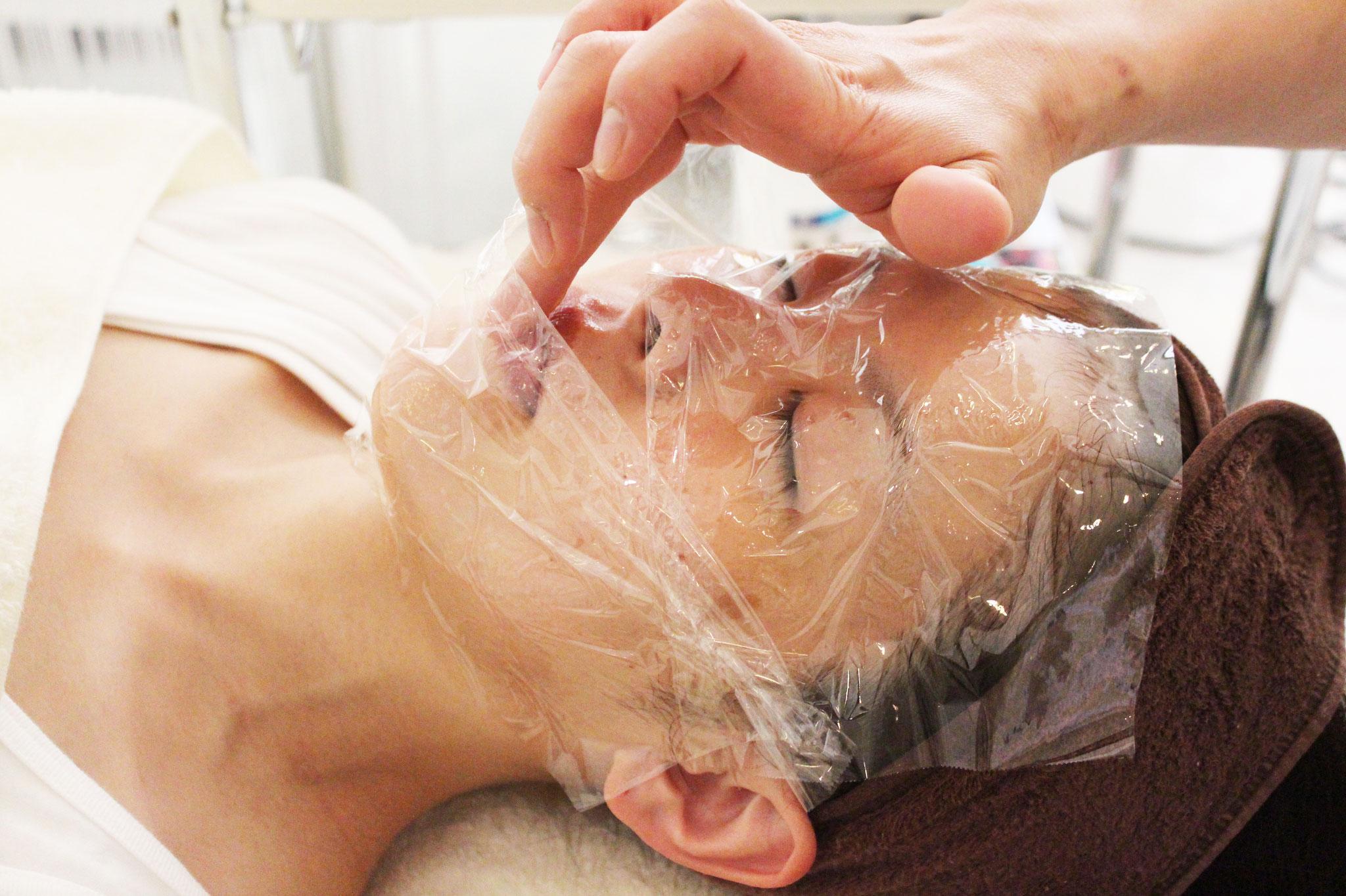 ♯4幹細胞美容液パック&♯7で唇をビタミンAで粘膜保護