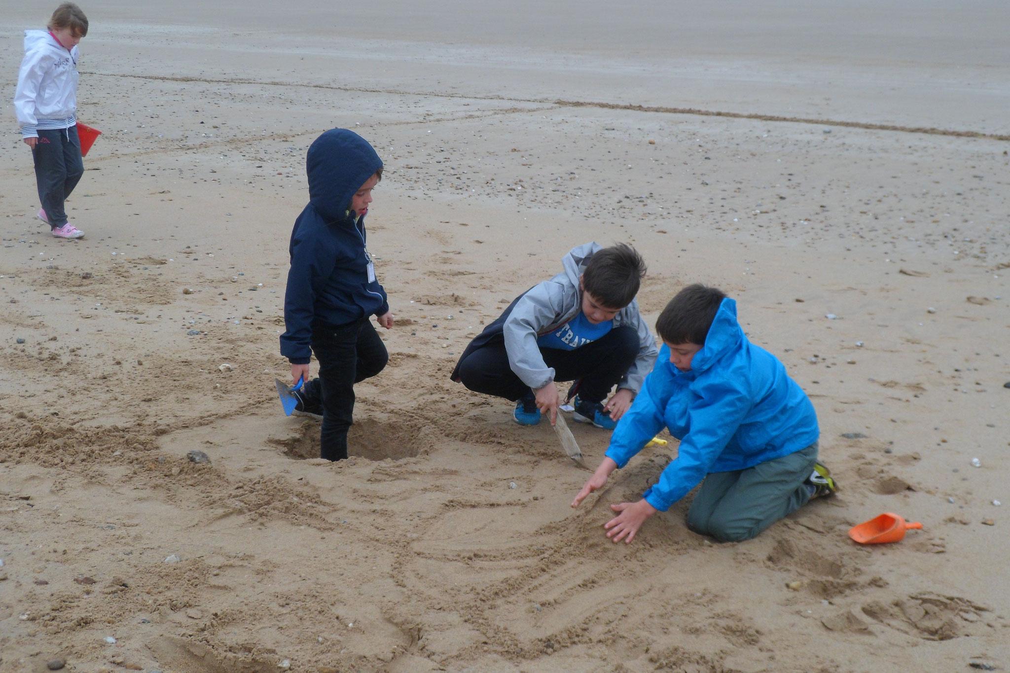 Après-midi, châteaux de sable