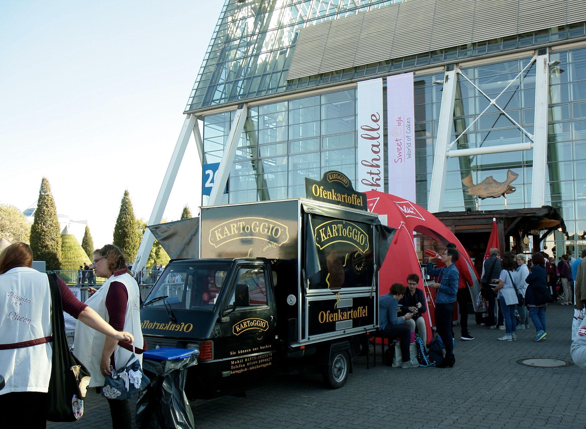infa 2017 - Deutschlands größte Erlebnis und Einkaufsmesse mit dem Genuss vom Deister: heißen Ofenkartoffeln von KARToGGIO®