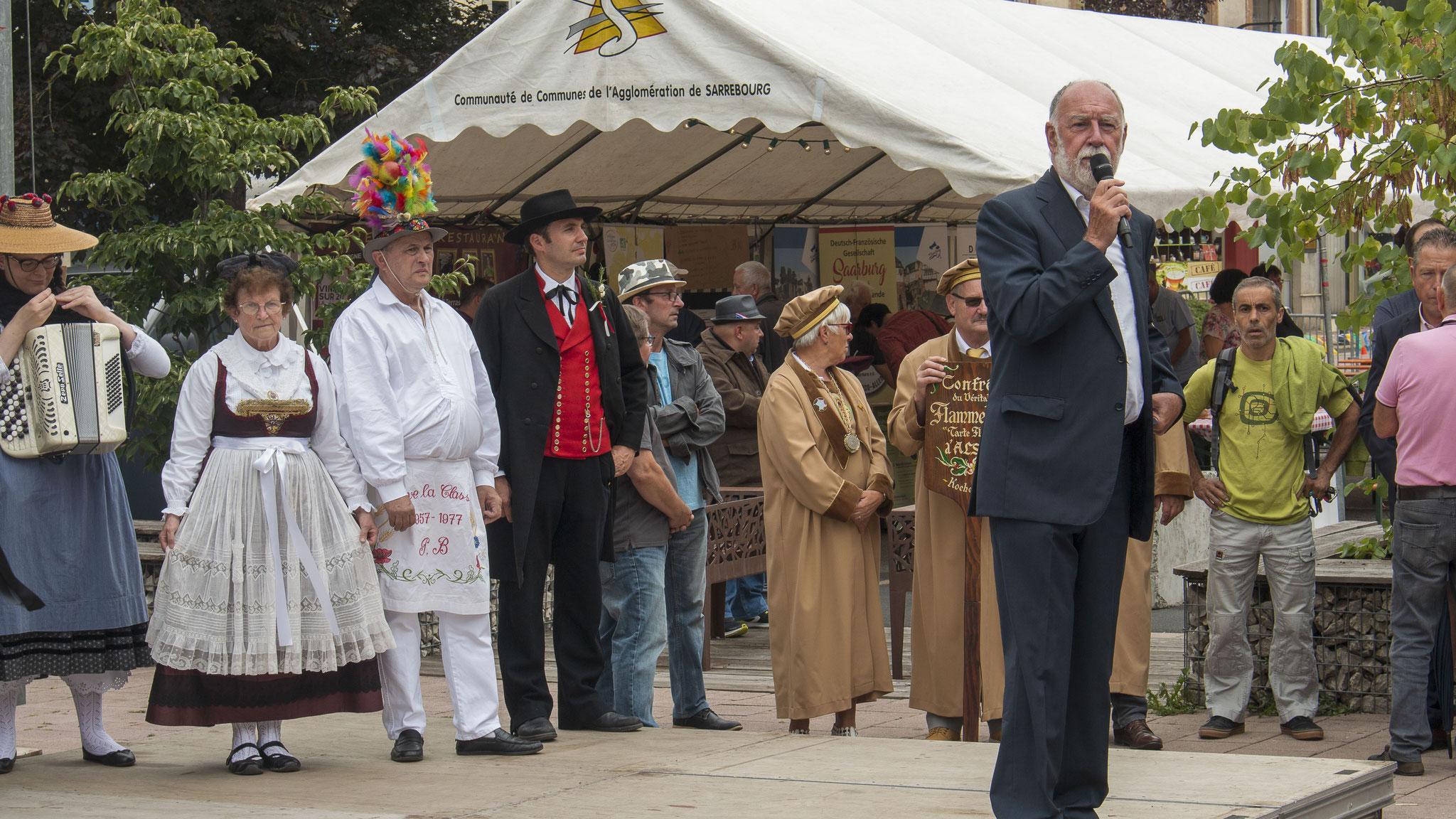 Die Begrüßungsrede vom Sarrebourger Bürgermeister