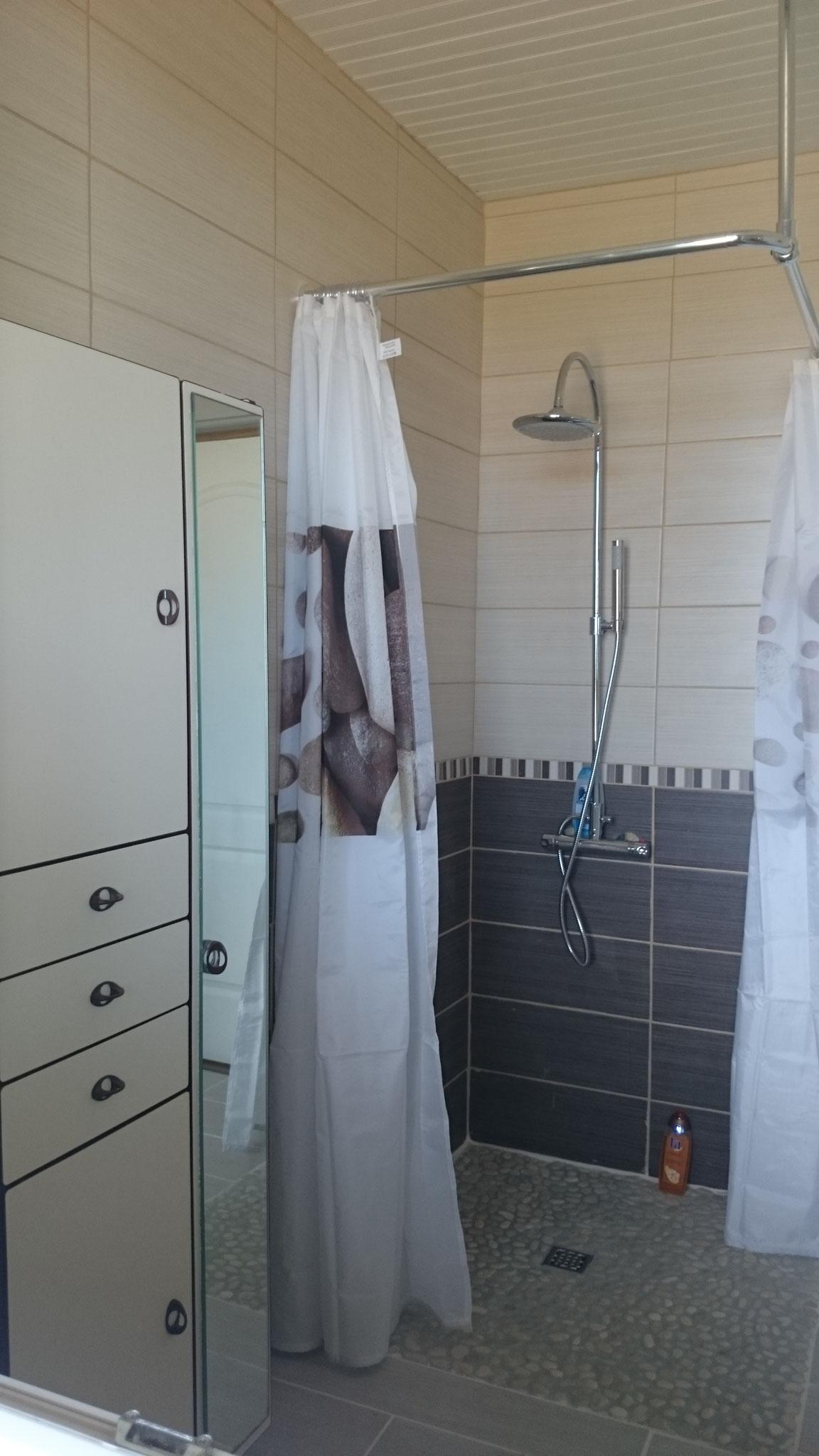 La résinière - douche à l'italienne