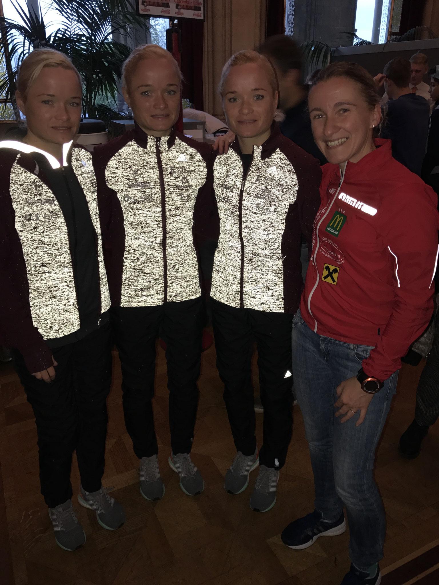 Unsere Uli mit den Olympia Drillingen Leila, Liina und Lily Luik aus Estland