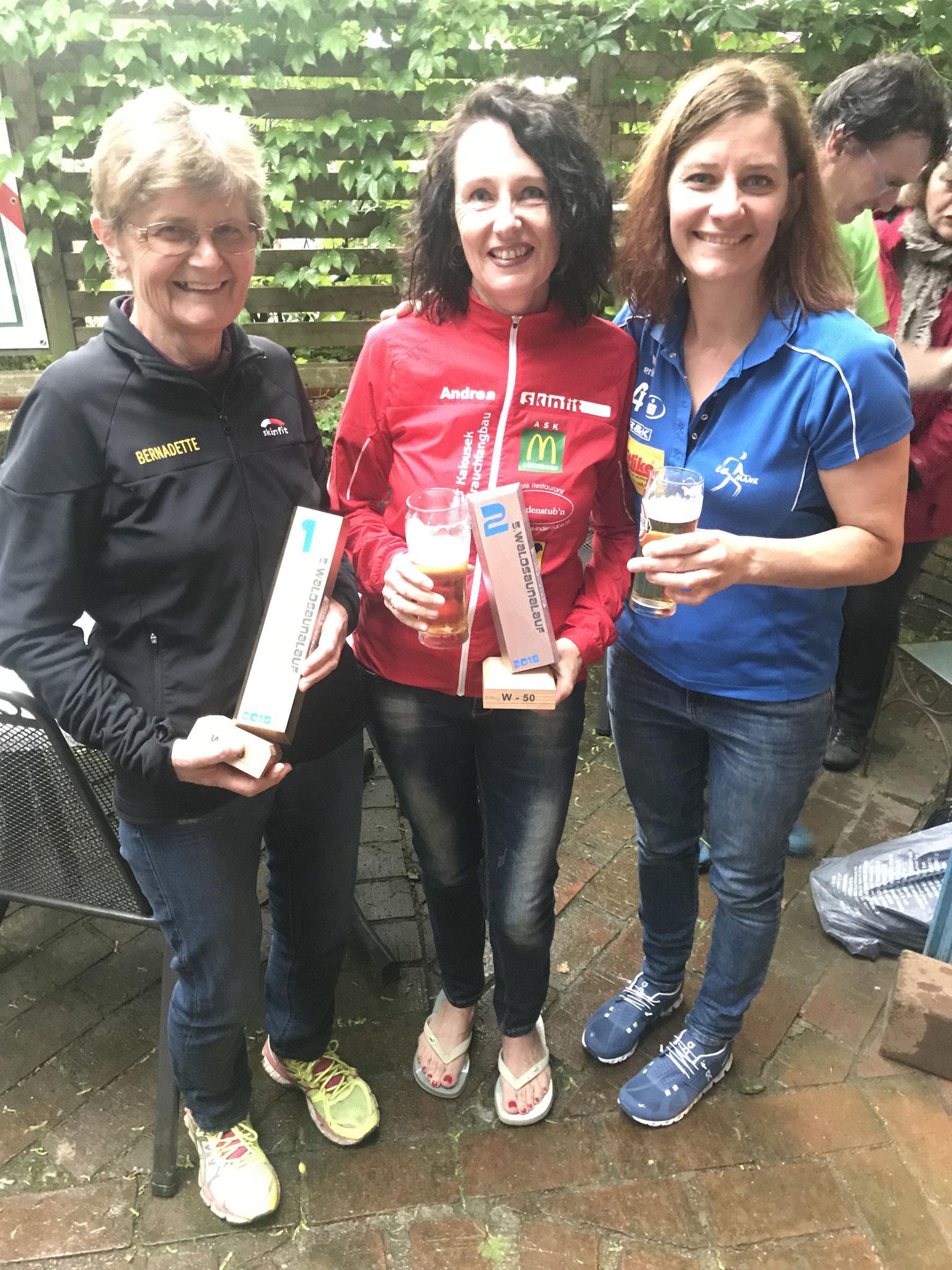 Die 3 feschen Mädels! Unser Andrea gemeinsam mit Bernadette & Michi