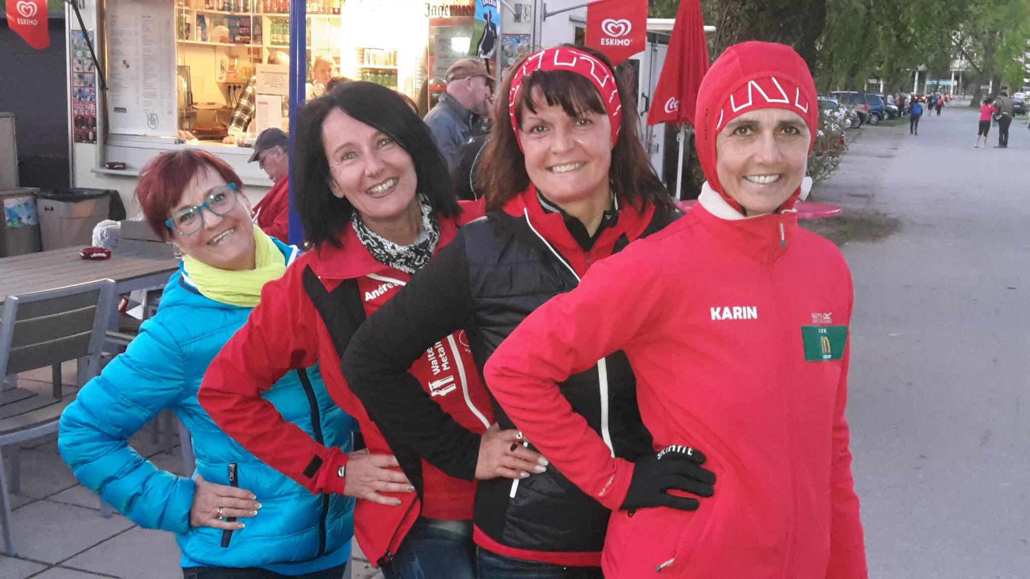 Frauen Power Pur, inkl. unserer Angi (2. rechts), welche so lange nicht mit uns gelaufen ist
