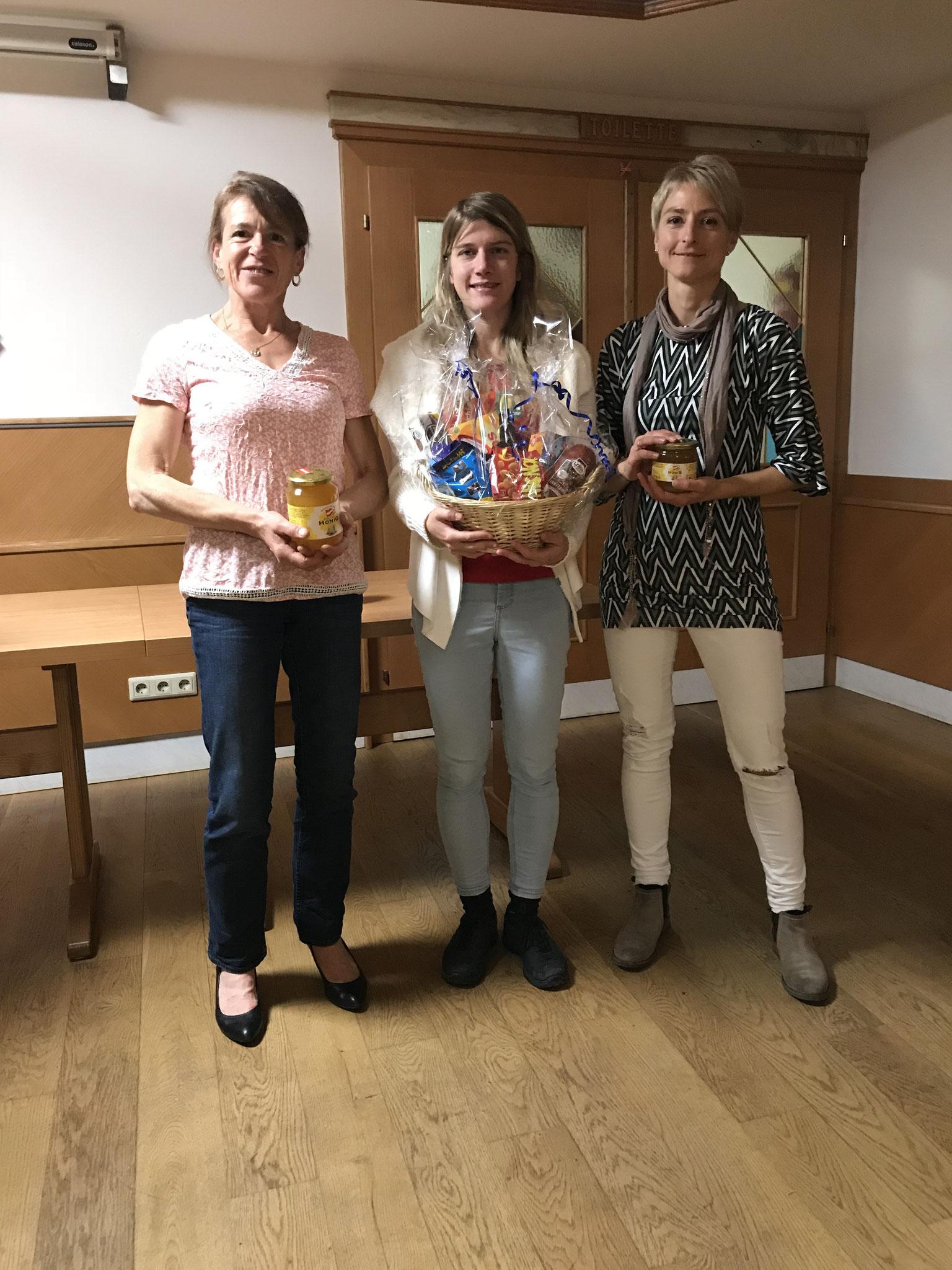 Unsere schnellsten Damen vlnr: Leopoldine (2.), Angela (1.), Birgit (3.)