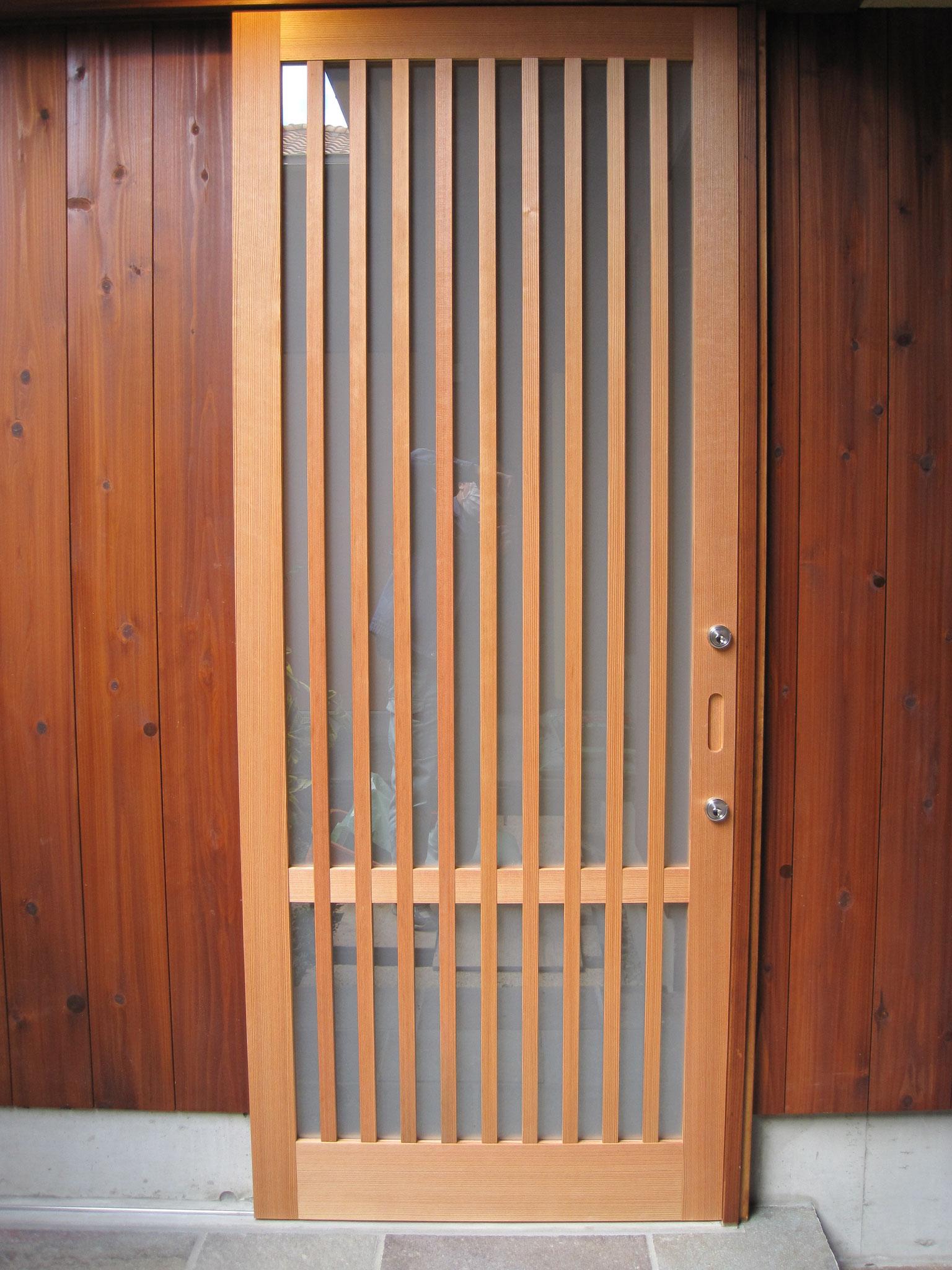 玄関縦格子戸