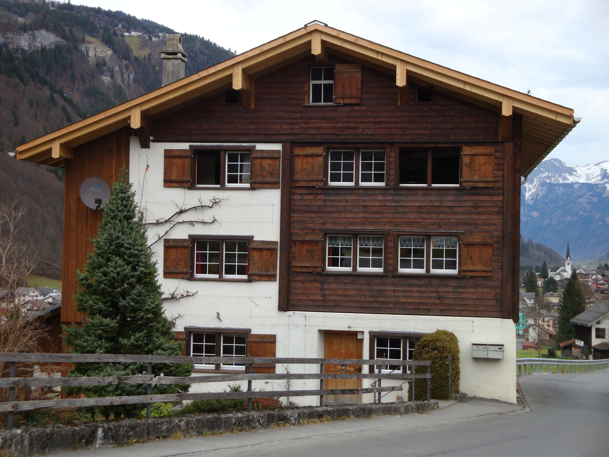 Einfamilienhaus nachher, Linthal