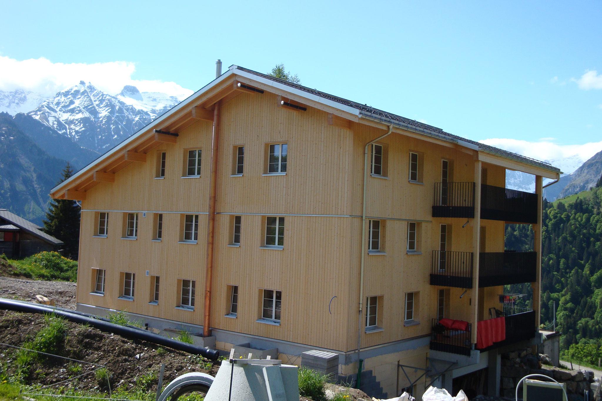 Wiederaufbau Mehrfamilienhaus, Braunwald