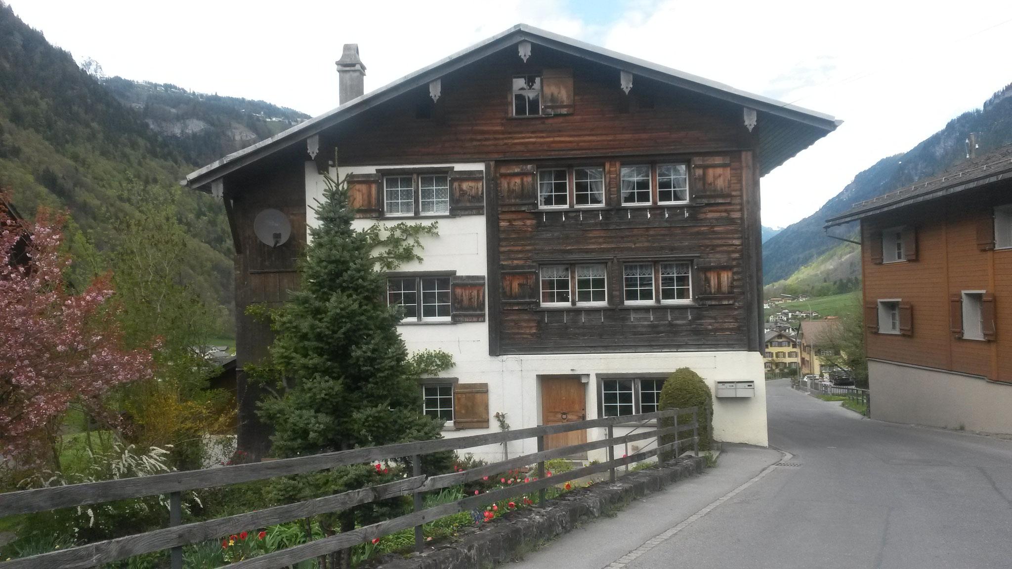 Fassade/neuer Dachstuhl vorher, Linthal
