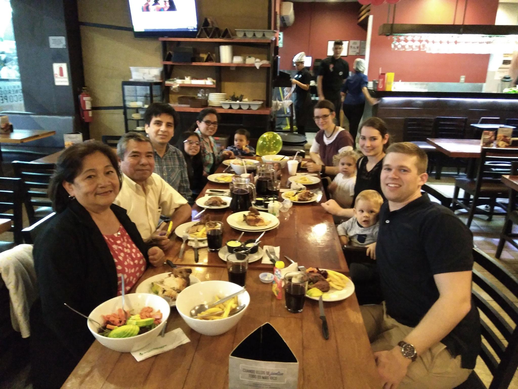 Wir hatten einen wunscherschönen Abend mit der Familie unseres peruanischen Freundes Jhino aus Wrist.