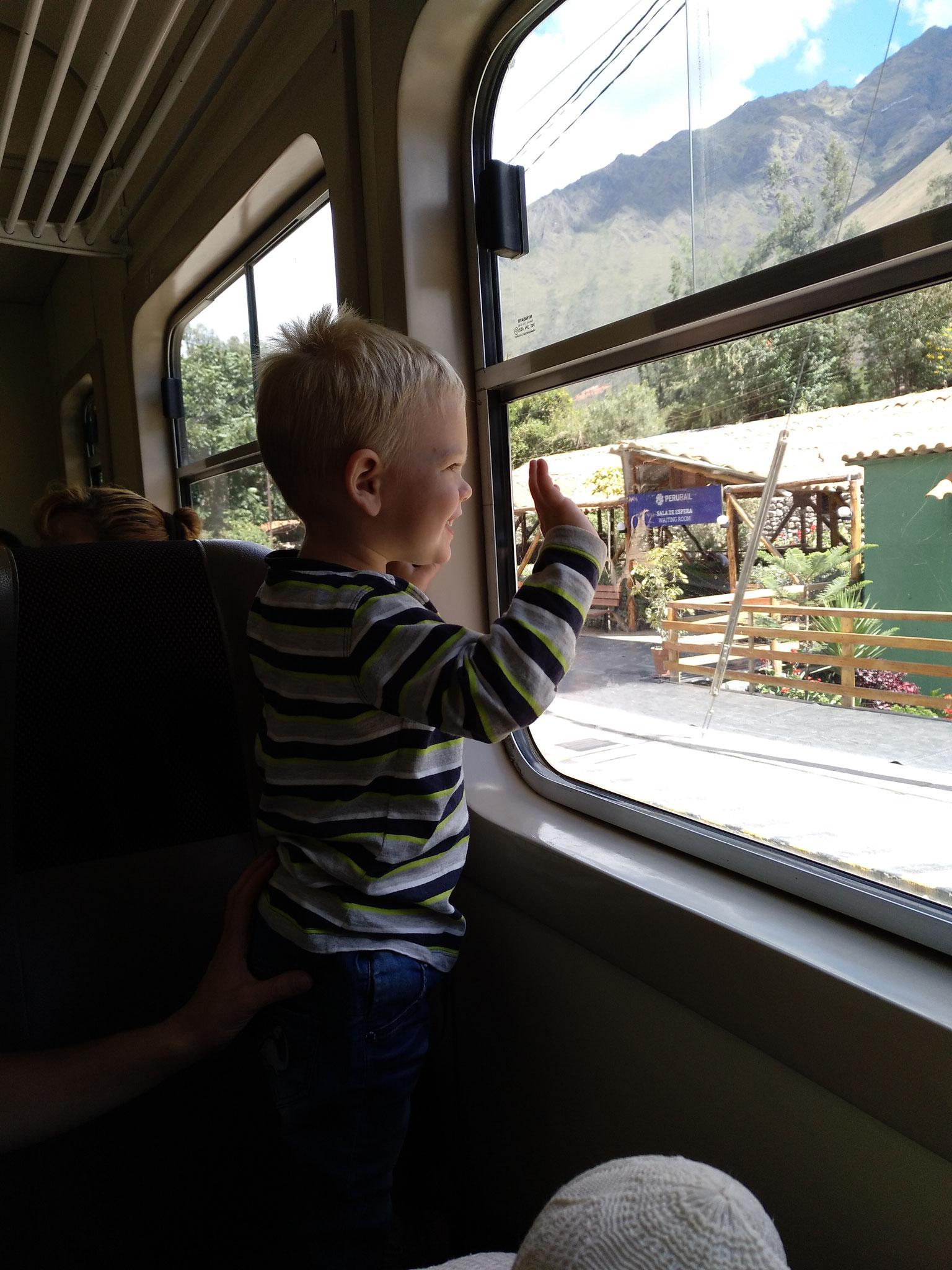 Die erste Zugfahrt seines Lebens.