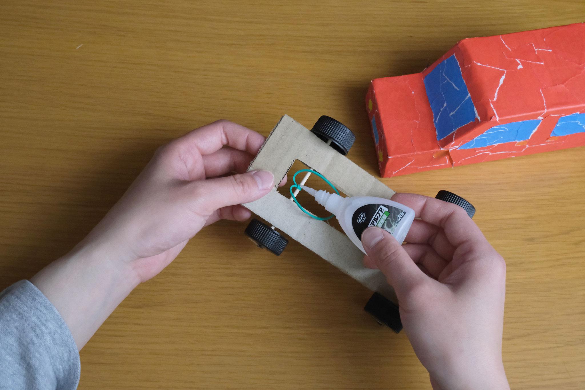 (10)解けないように接着剤で固定。(テープでも可)