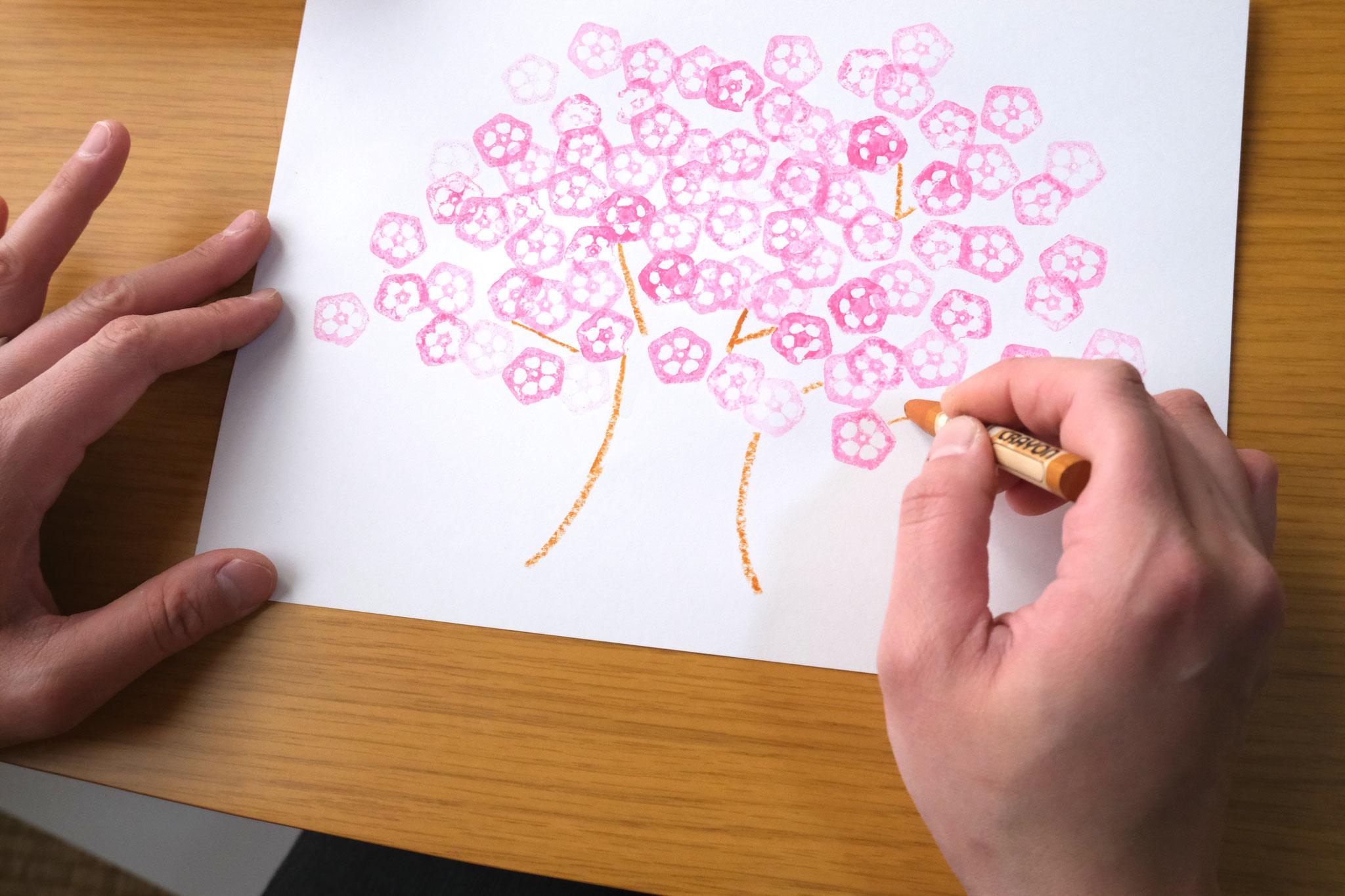 幹を描くと桜の木ができました