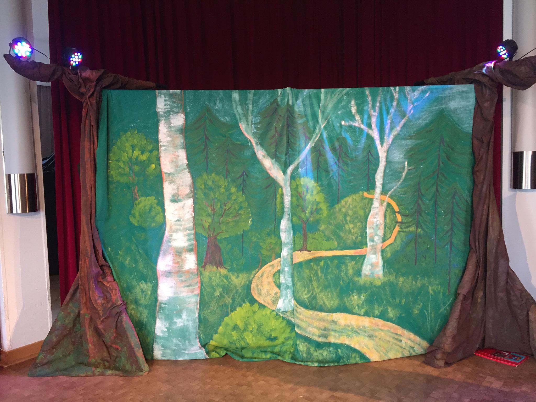 unser Märchenwald bei Rotkäppchen und der gute Wolf