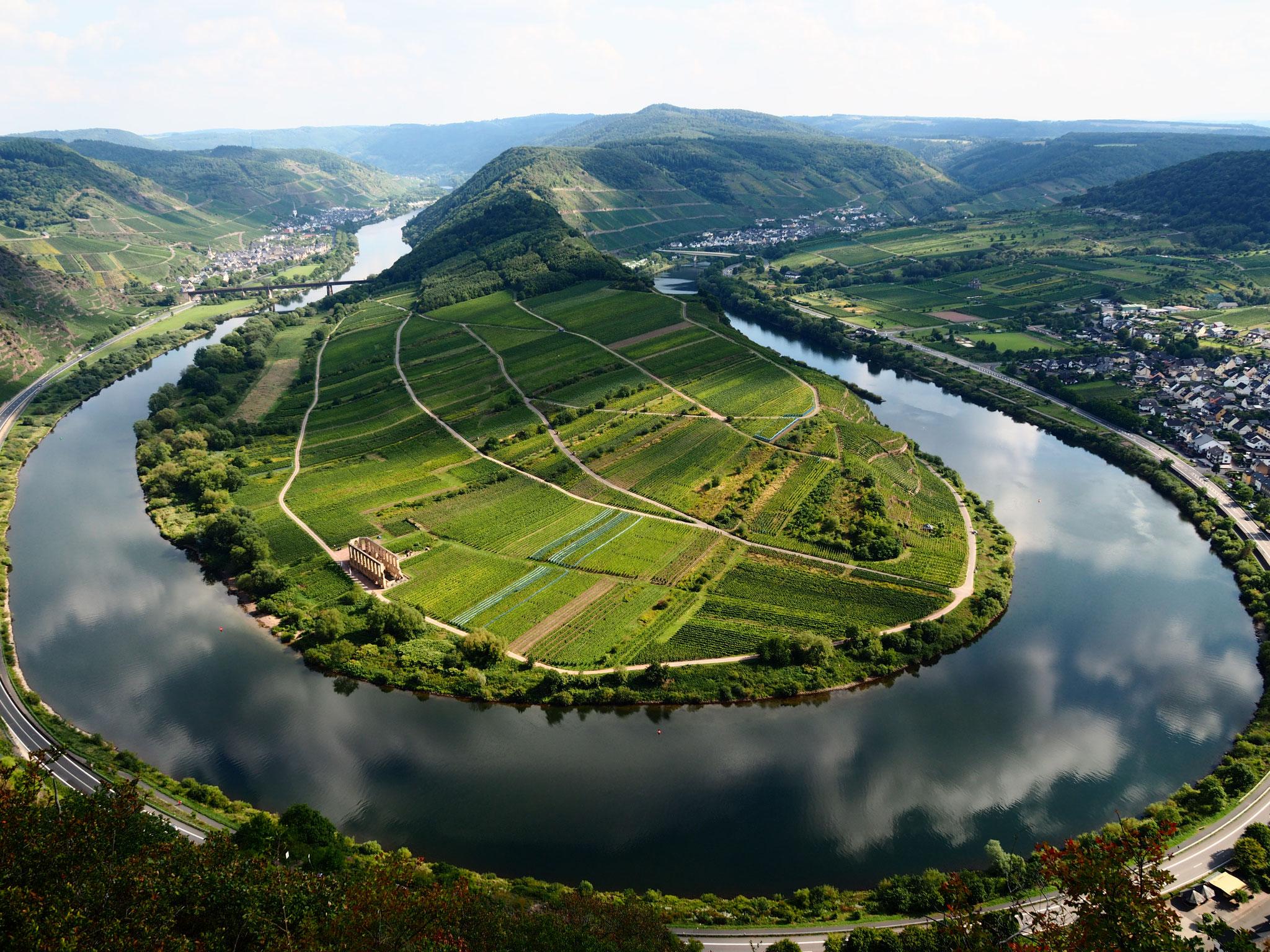 Blick vom Calmont in Bremm, 26 km entfernt, Foto: M. Clemens