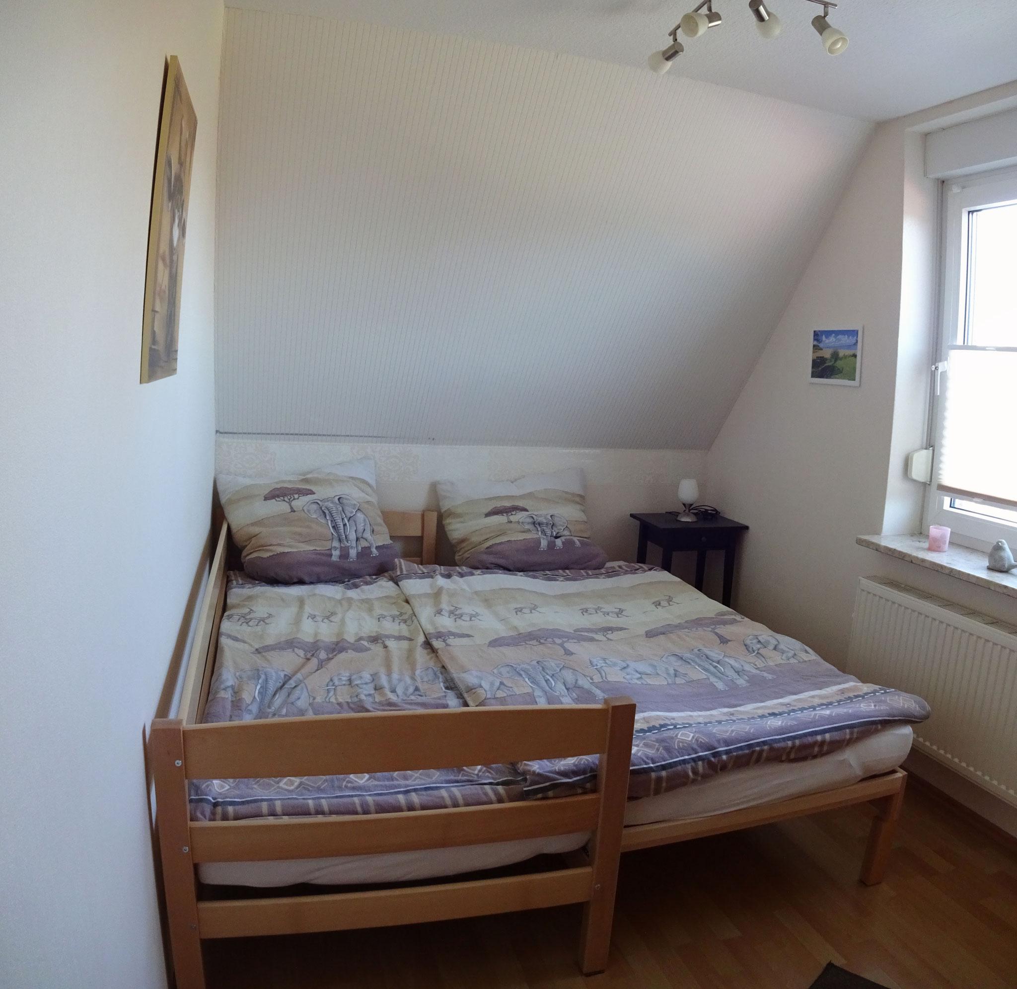 oder mit Doppelbett (2x 90cm x 200cm)