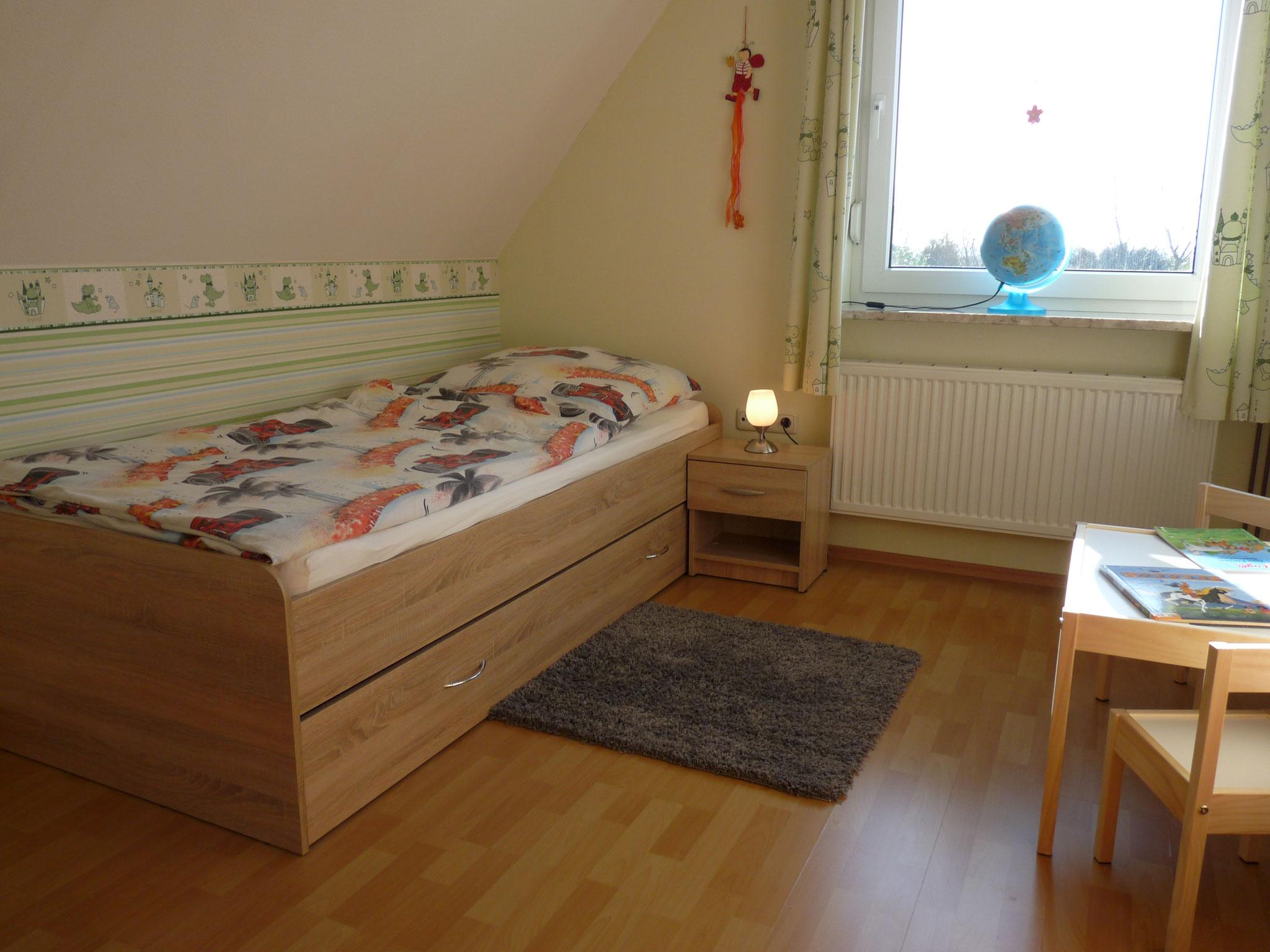OG Schlaffzimmer 3 (90cm x 200cm)