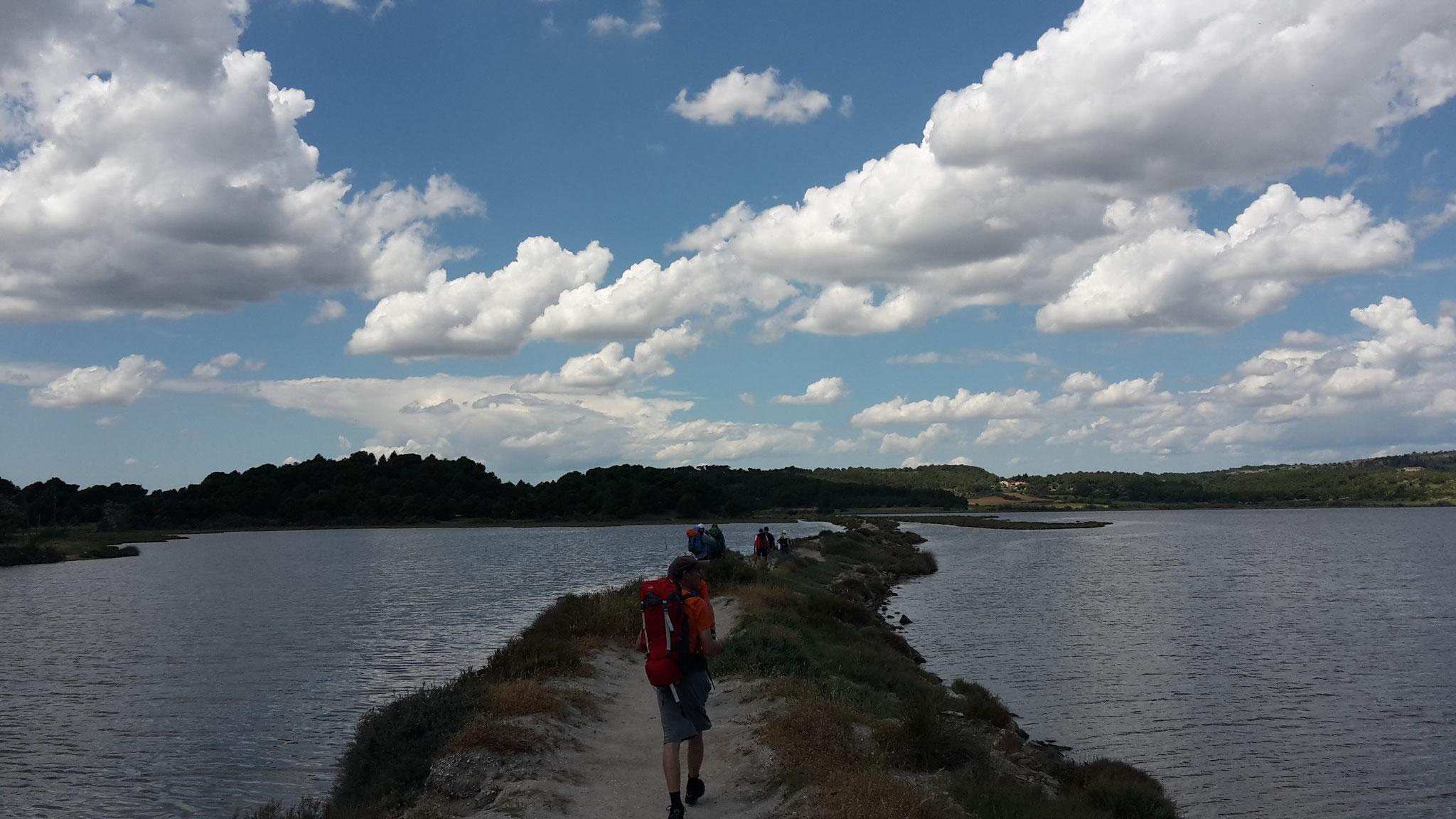 Marche entre mer et salins