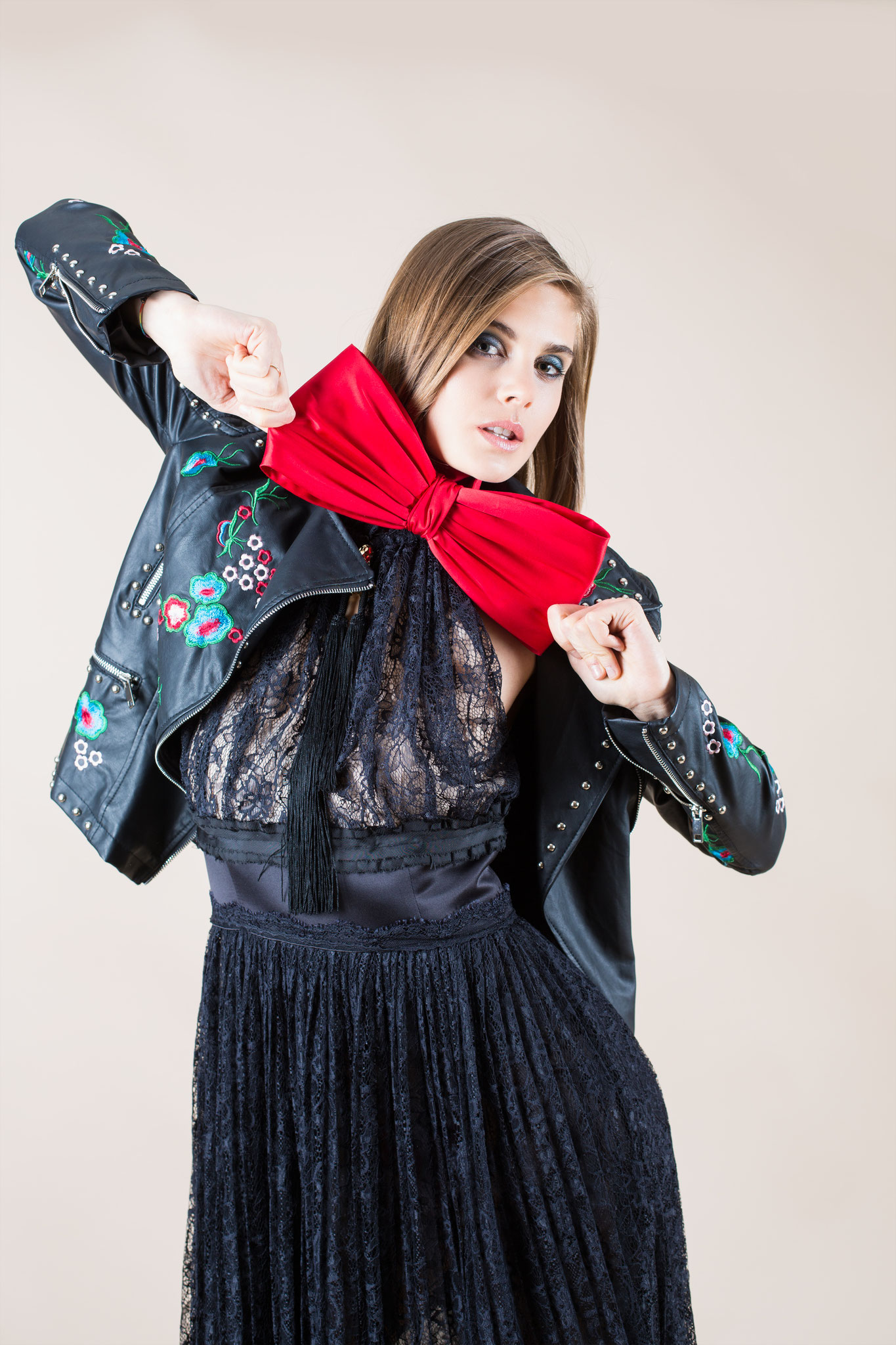 Flower Fantasies - ELEGANT NYC, April 2018 Vol. 47 No. 13 - Fashion Stylist: Vesna Resch