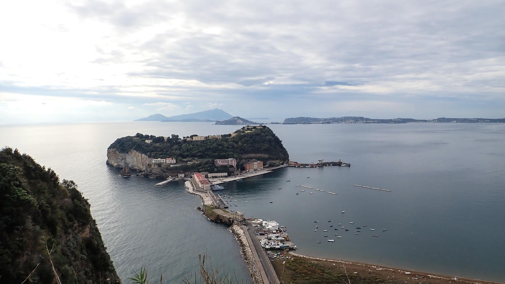 Posillipo Ischia im Hintergrund