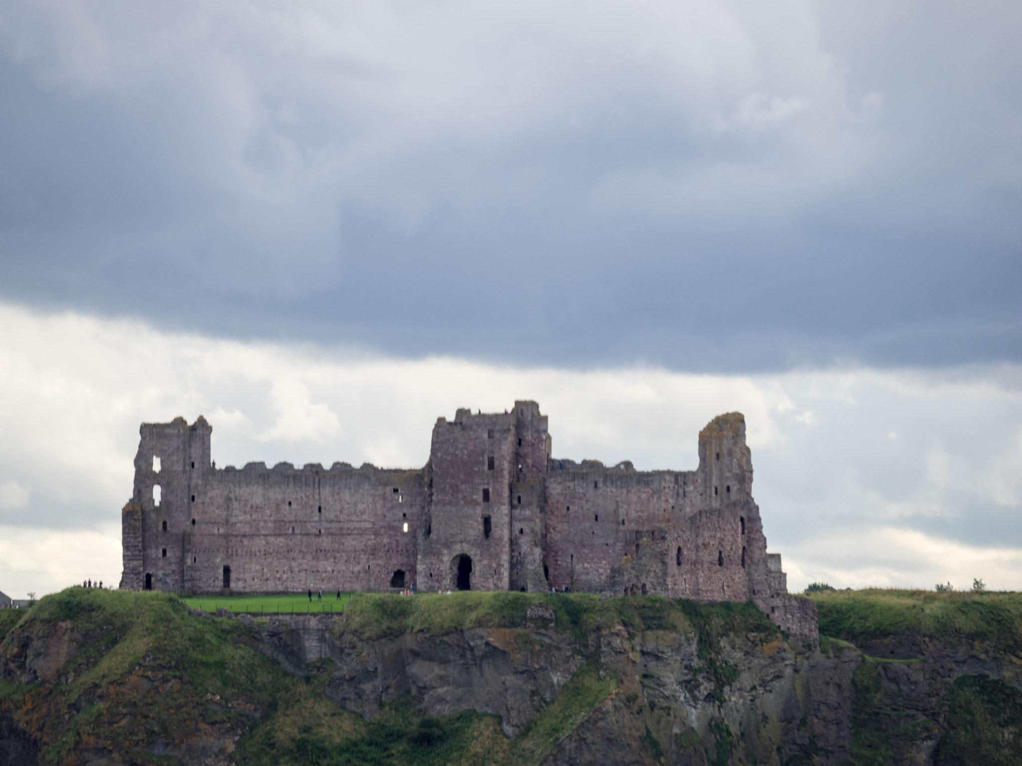 Bild: Tantalon Castle vom Meer aus gesehen