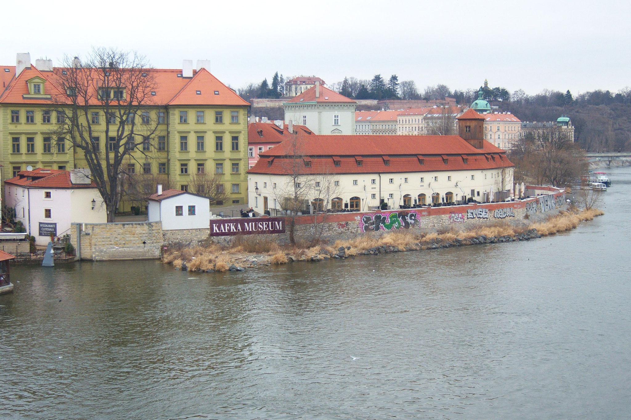Moldauschifffahrt mit Blick auf Prag