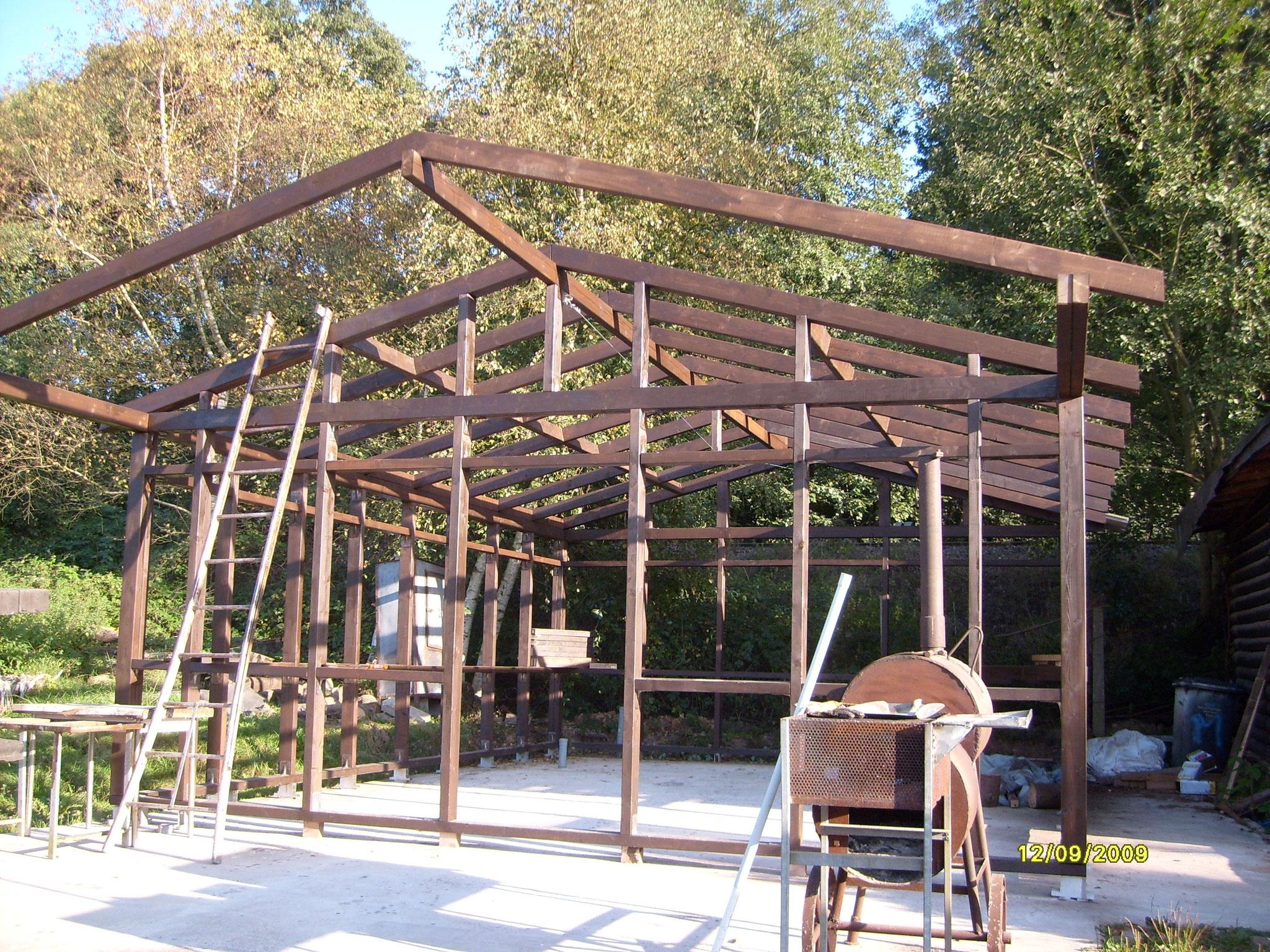 Auch der Neubau unserer Hütte gelang nur mit vielen Helfern.
