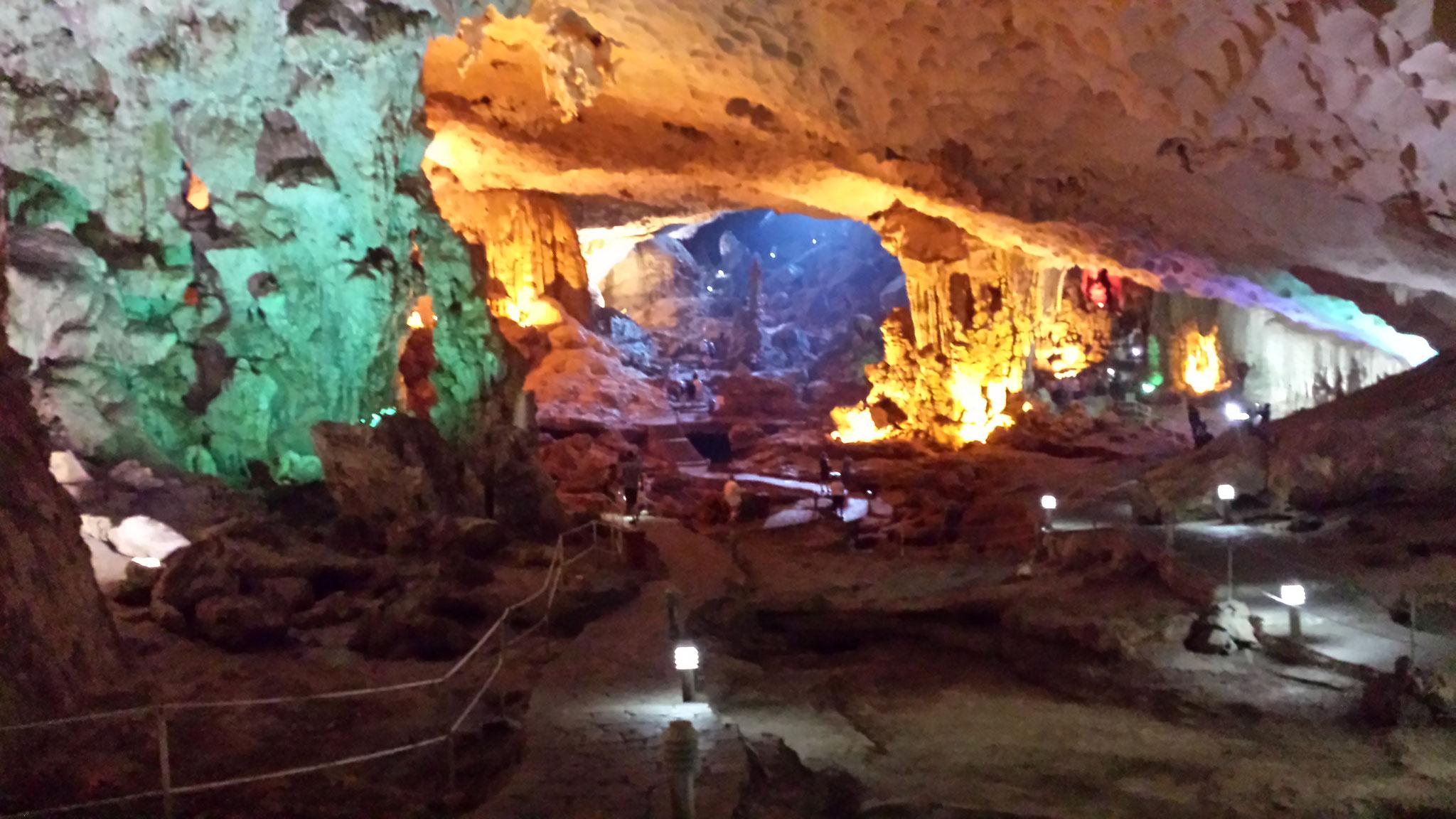 Höhle Halong Bucht