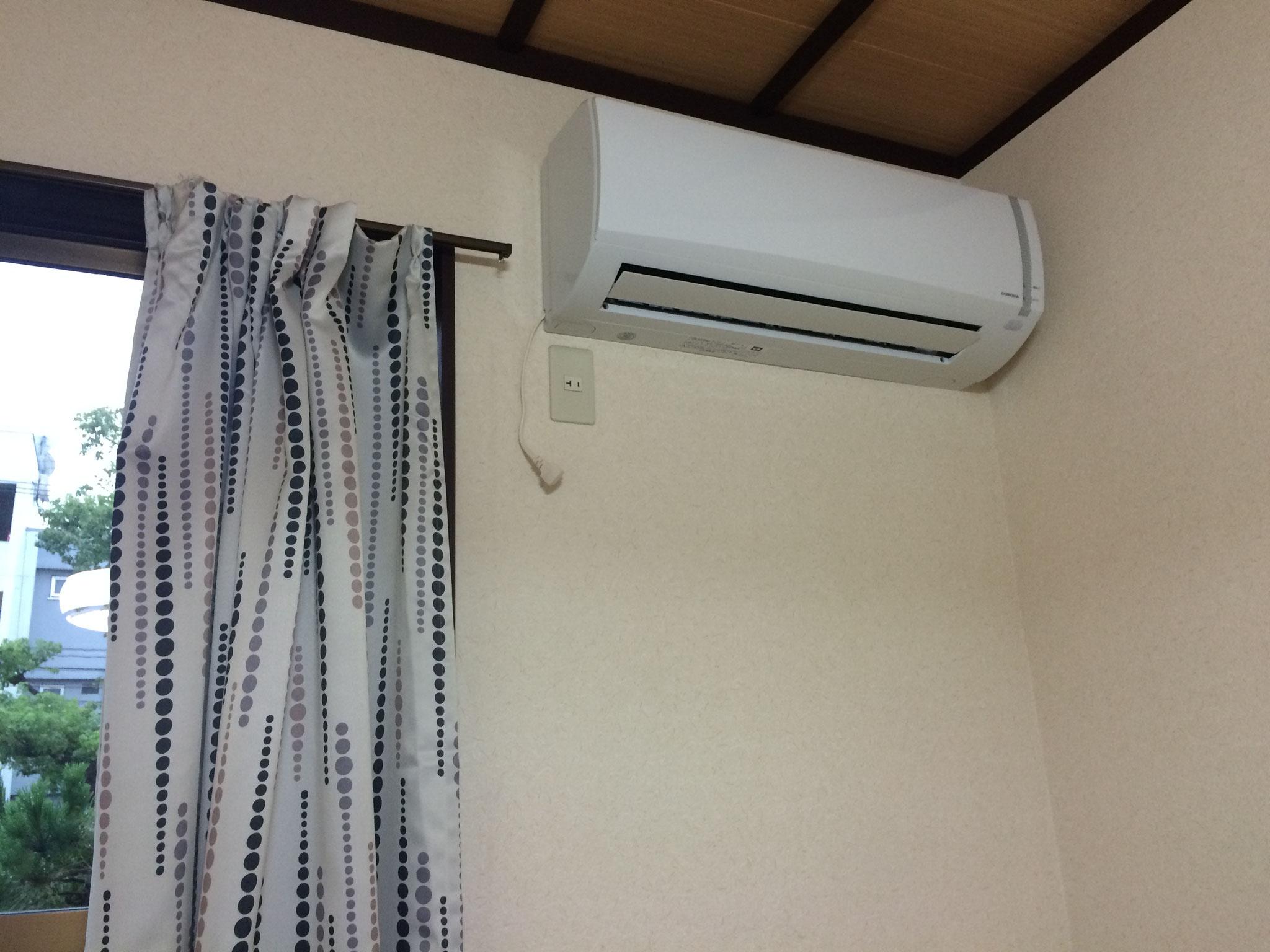 室内エアコン