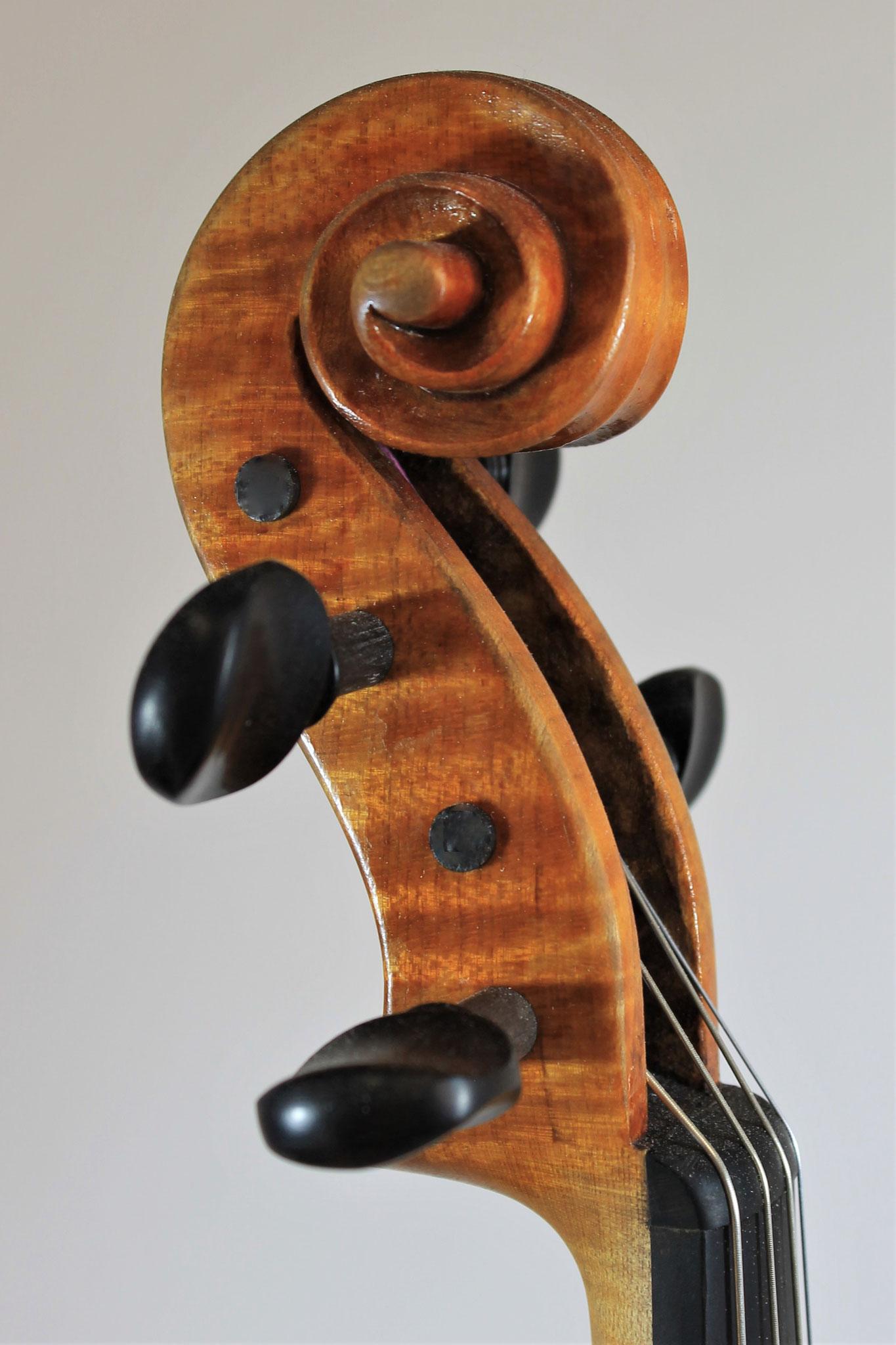 G. B. Guadagnini, 2017 (40,7 cm)