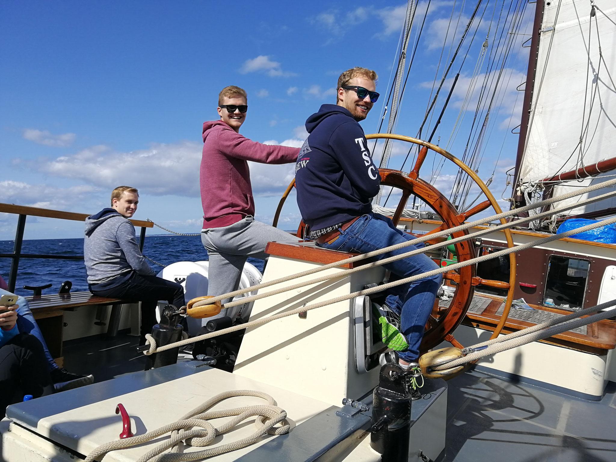 Sailingship Twister