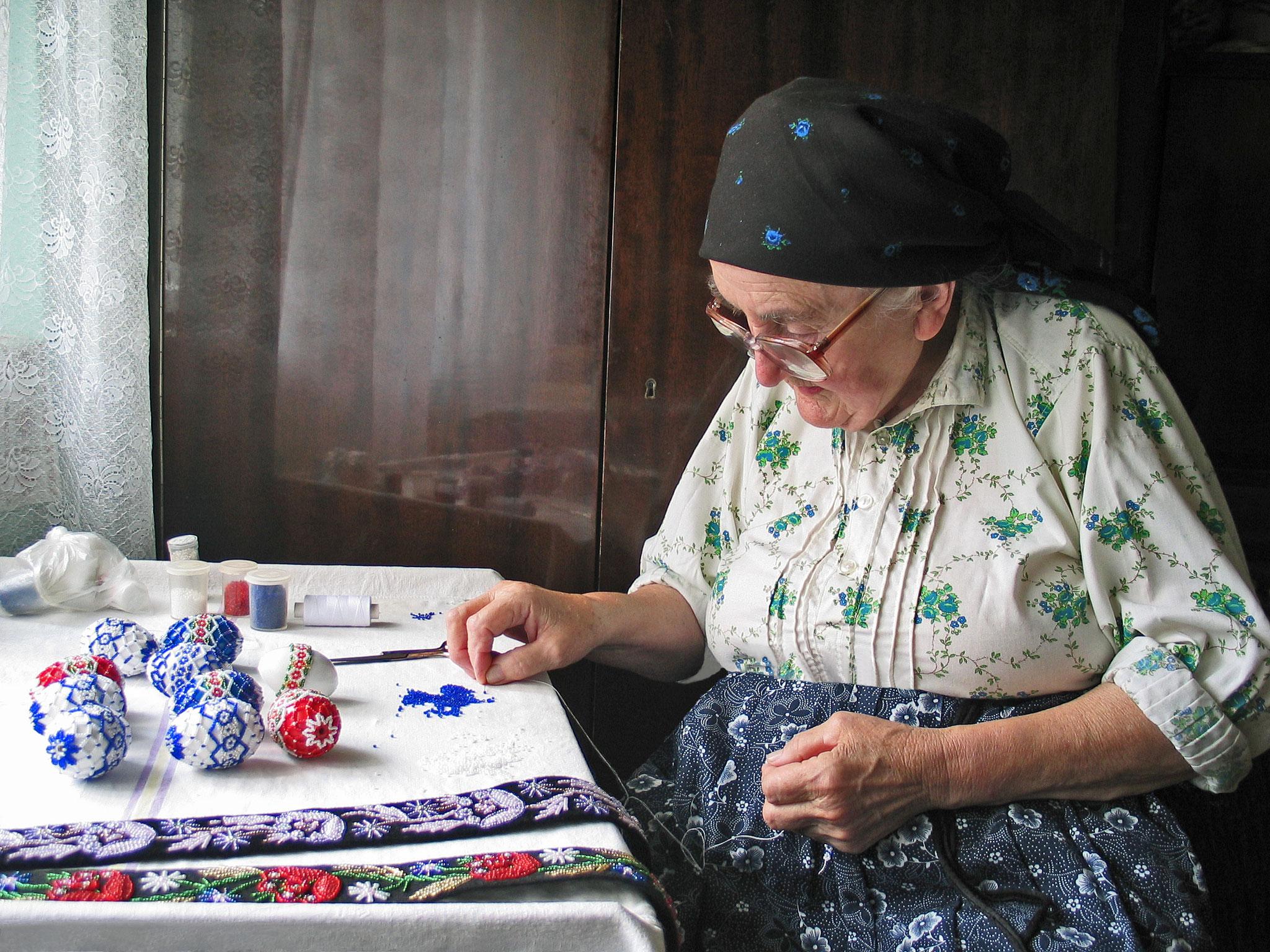 Bozsoki Adrienn (Romania) - Bead embroidery