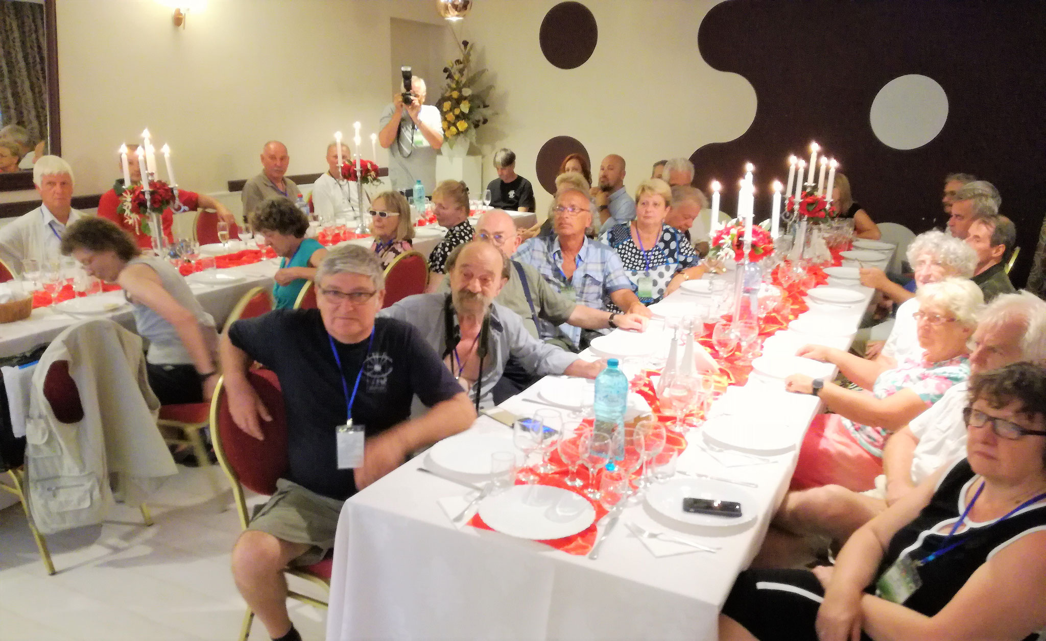 """Festivitatea de închidere la Restaurantul """"Nevis"""" Oradea/ Closing Ceremony at the """"Nevis"""" Restaurant from Oradea/ Záró ünnepség a Nagyváradi """"Nevis"""" vendéglőben."""