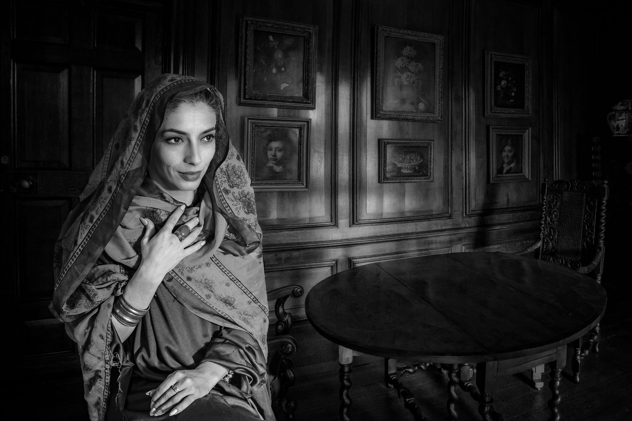 Ruxandra Calin EFIAPb (Romania) - Black and white dreams