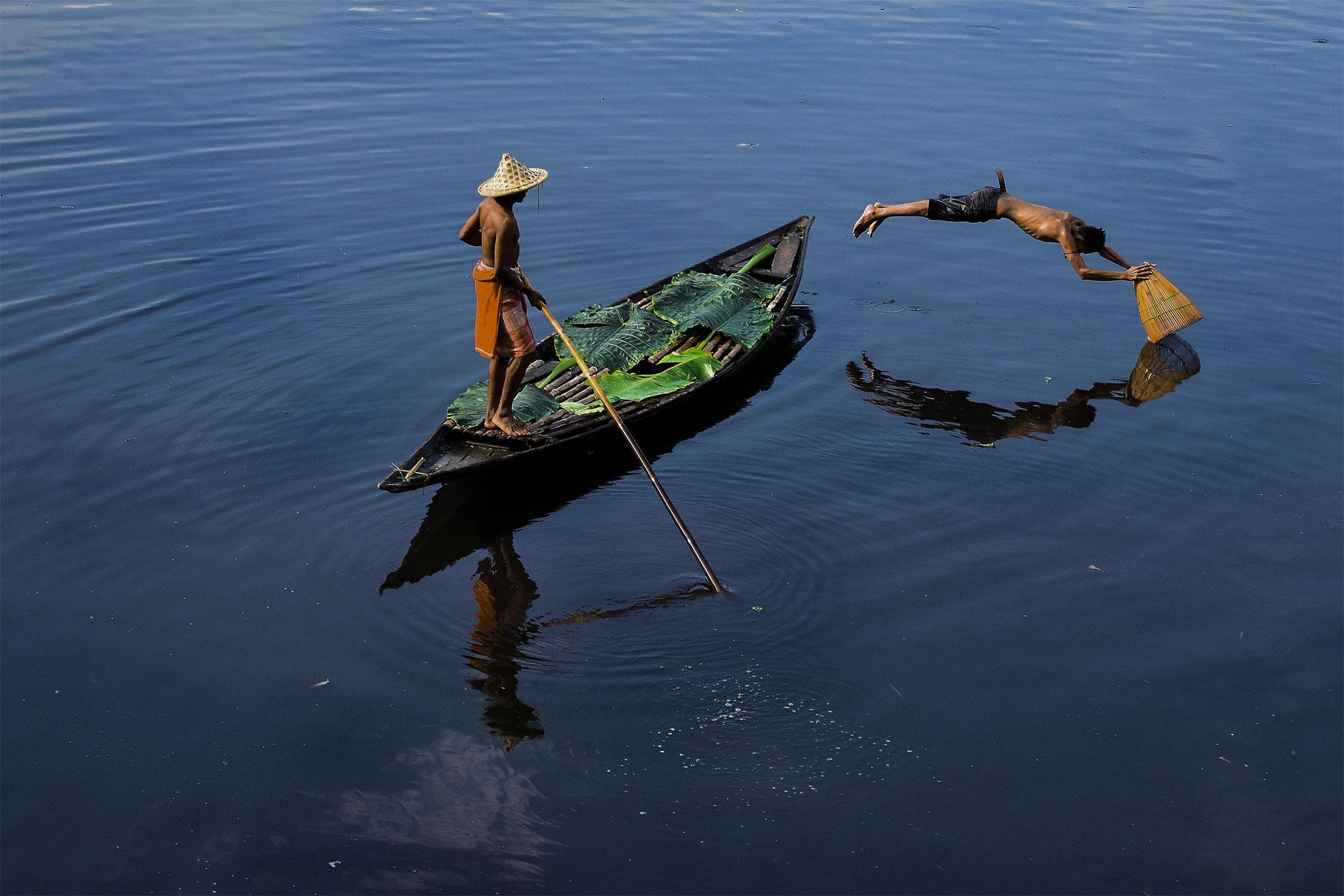 Sayani Chowdhury  (india) -  Fishing for Living