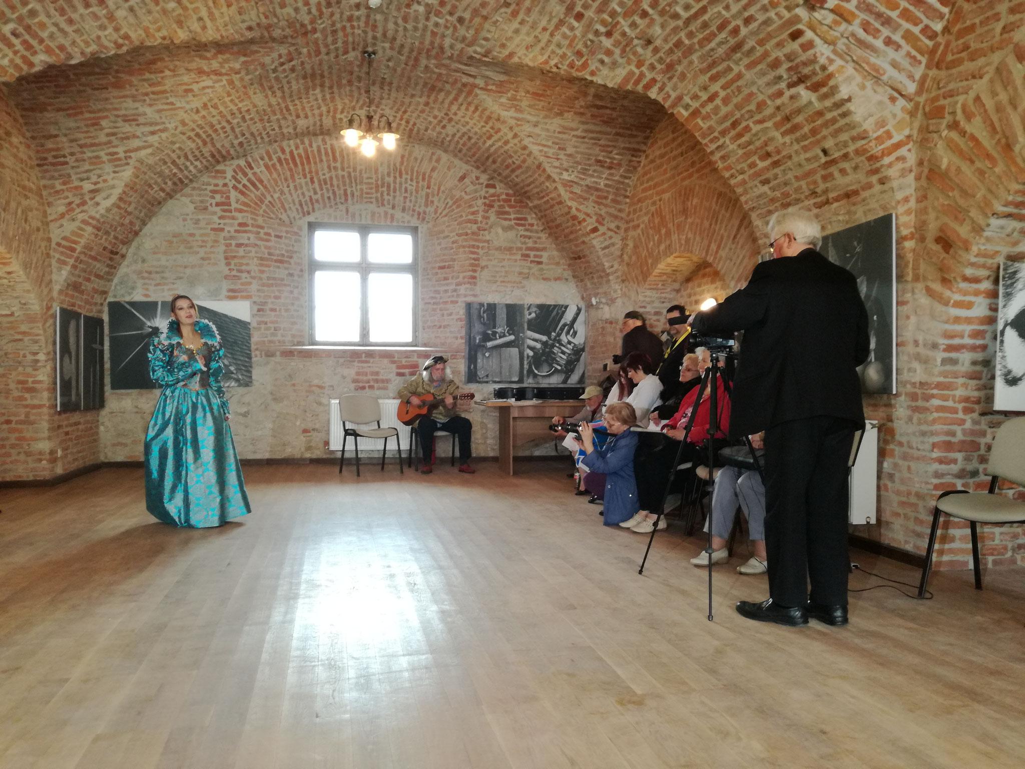 Rusu T. Victor Suceava-i fotóművész egyéni kiállításának megnyitója