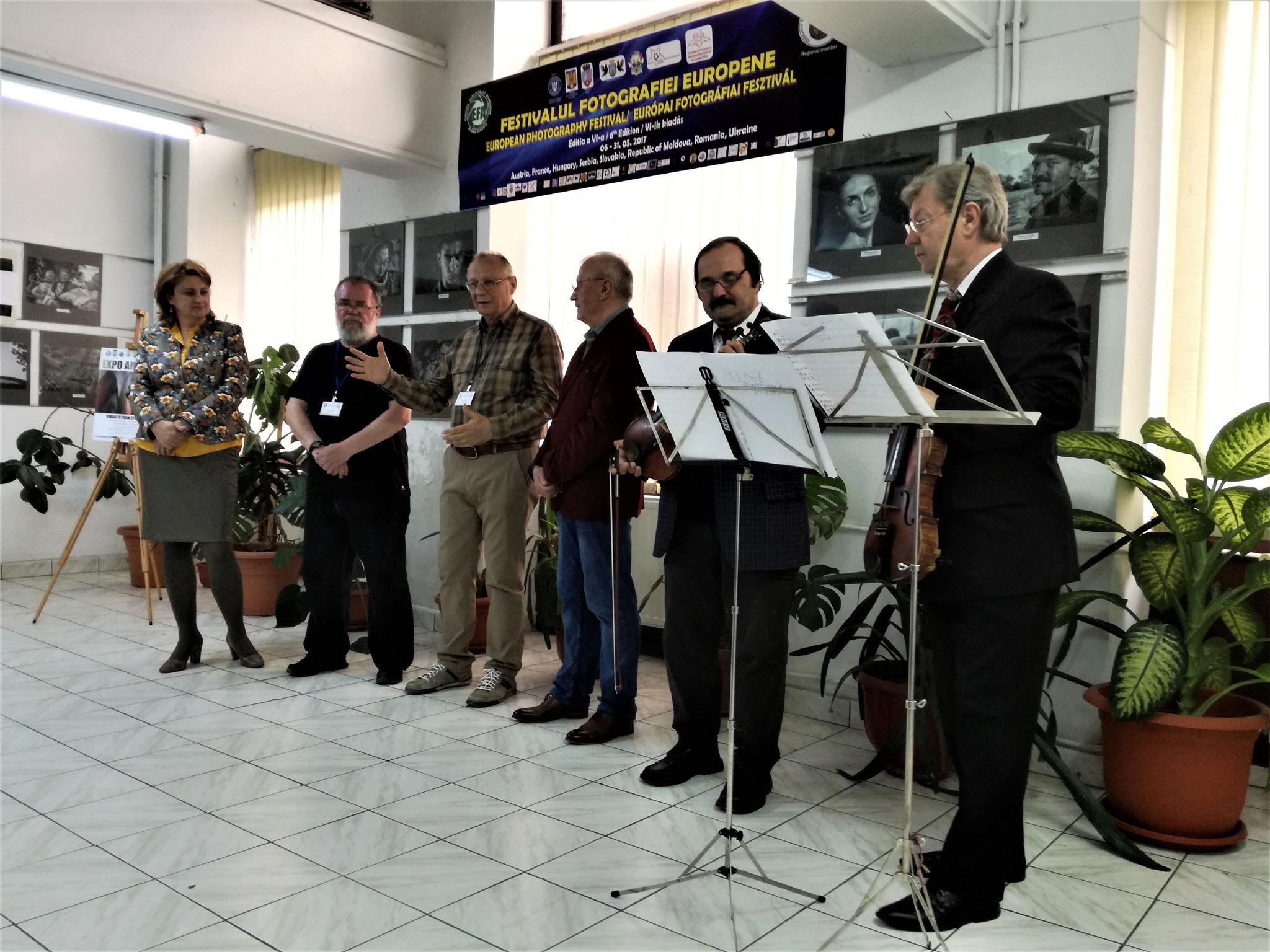 Virág István Zombor-i fotóművész egyéni kiállításának megnyitója